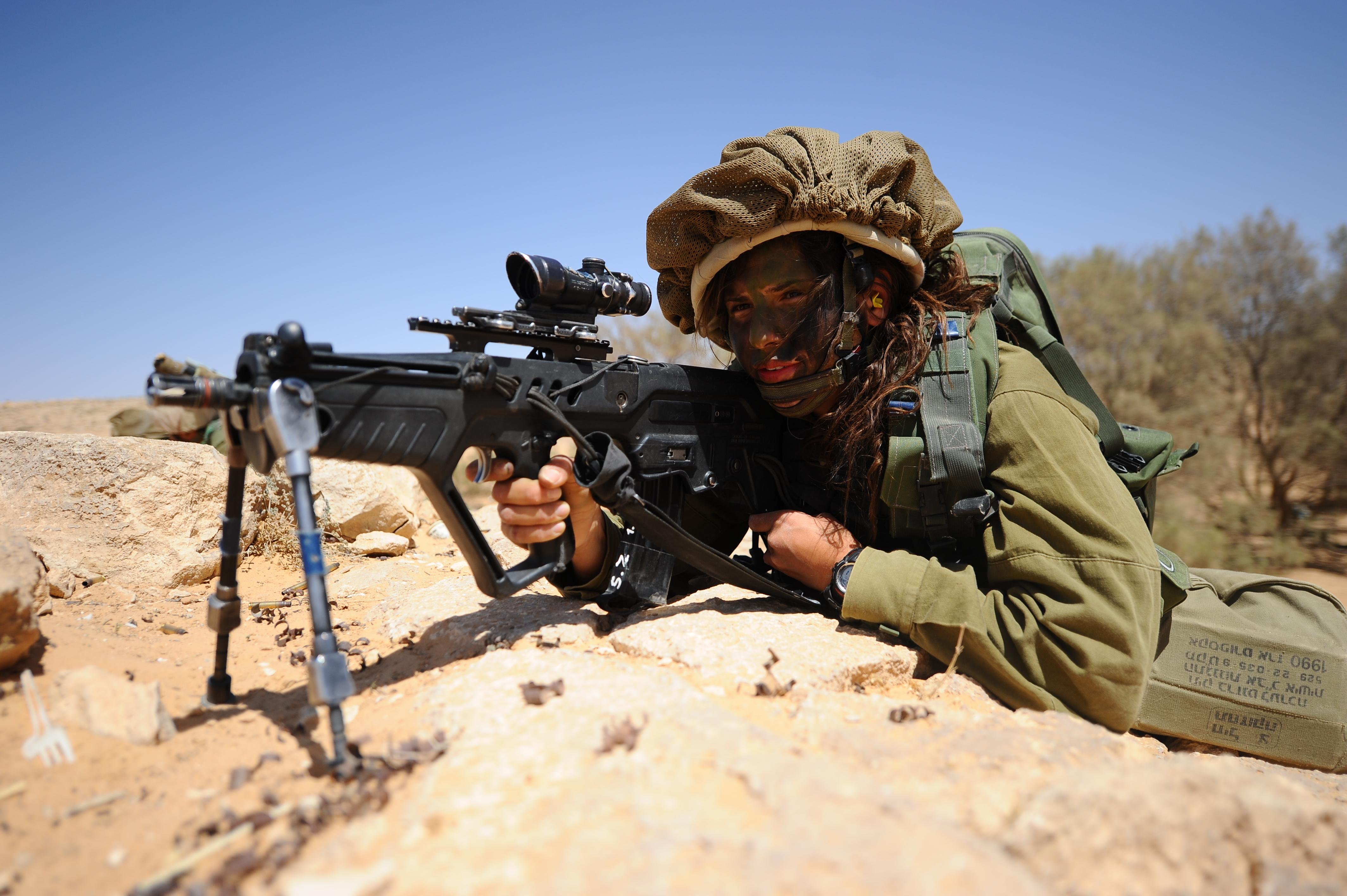 חייל מגדוד קארקל