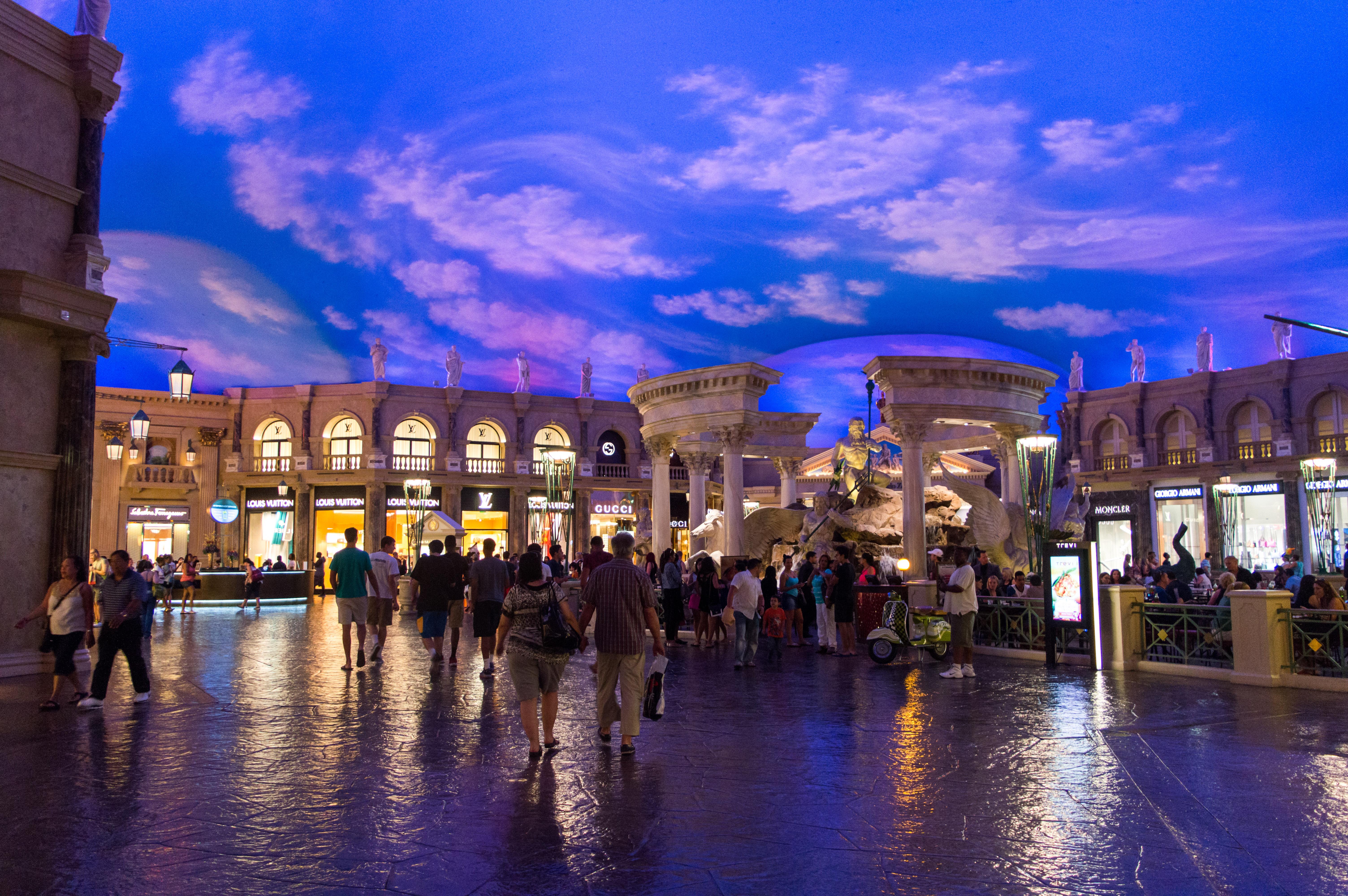 File:Fountain of the Gods, Caesars Palace (Las Vegas) (3 ...