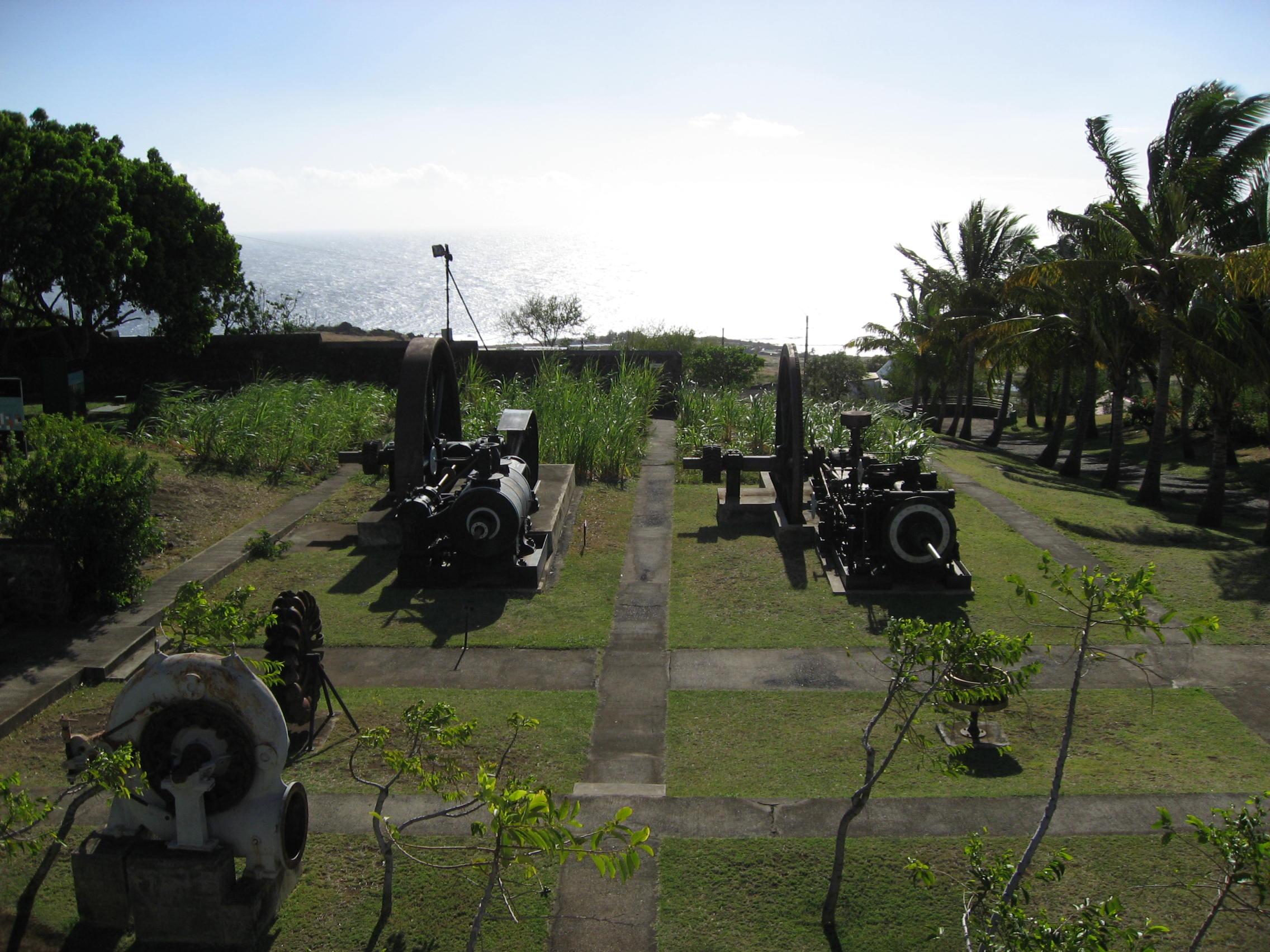 Les Outils De Jardinage Avec Photos file:fr reunion musee-stella-matutina vue-jardin-machine