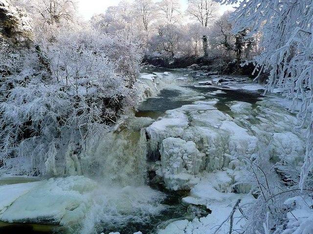 File:Frozen Bonnington Linn - geograph.org.uk - 1656350.jpg