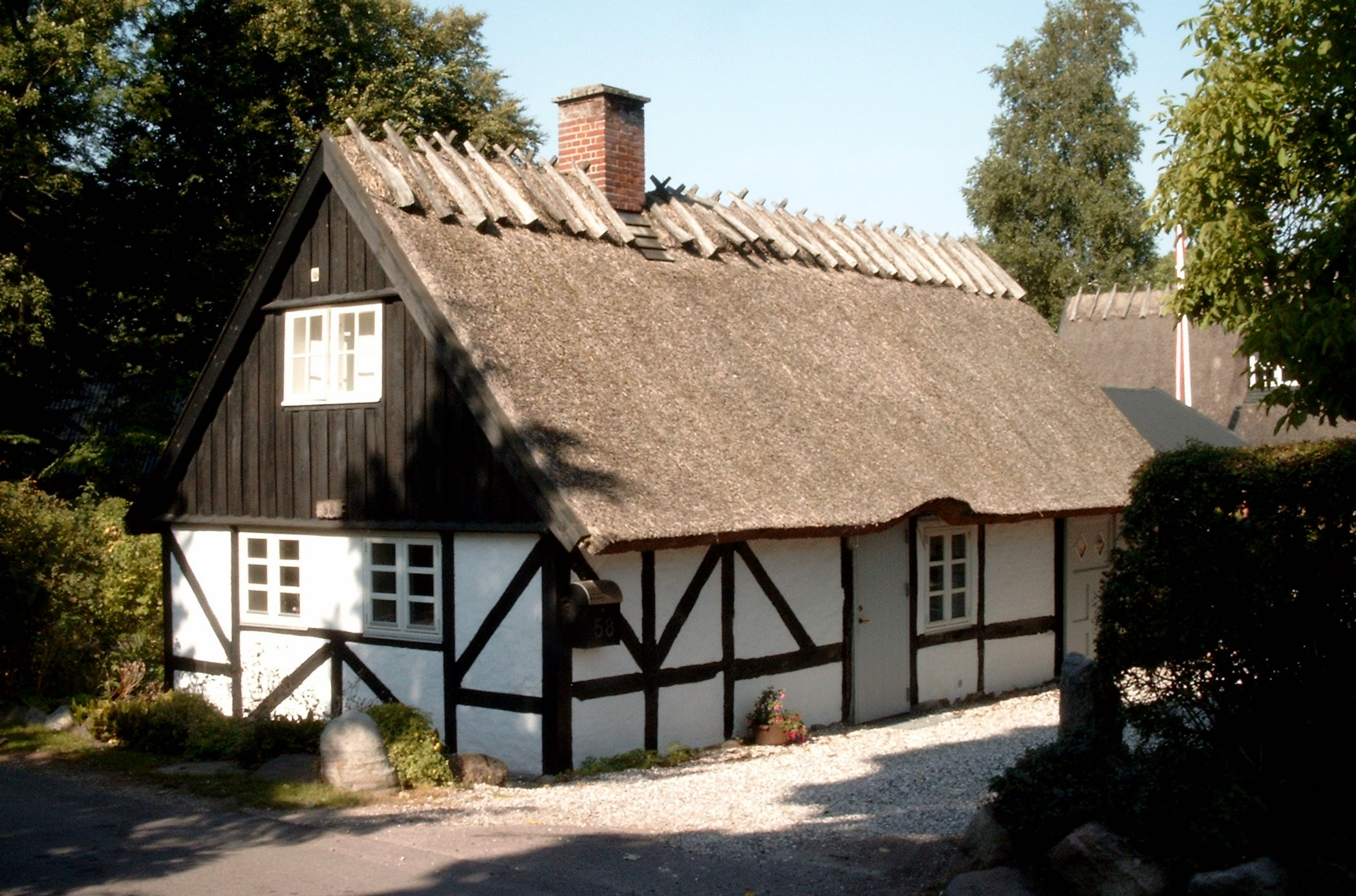 File:HT village house 4.jpg - Wikimedia Commonshouse village