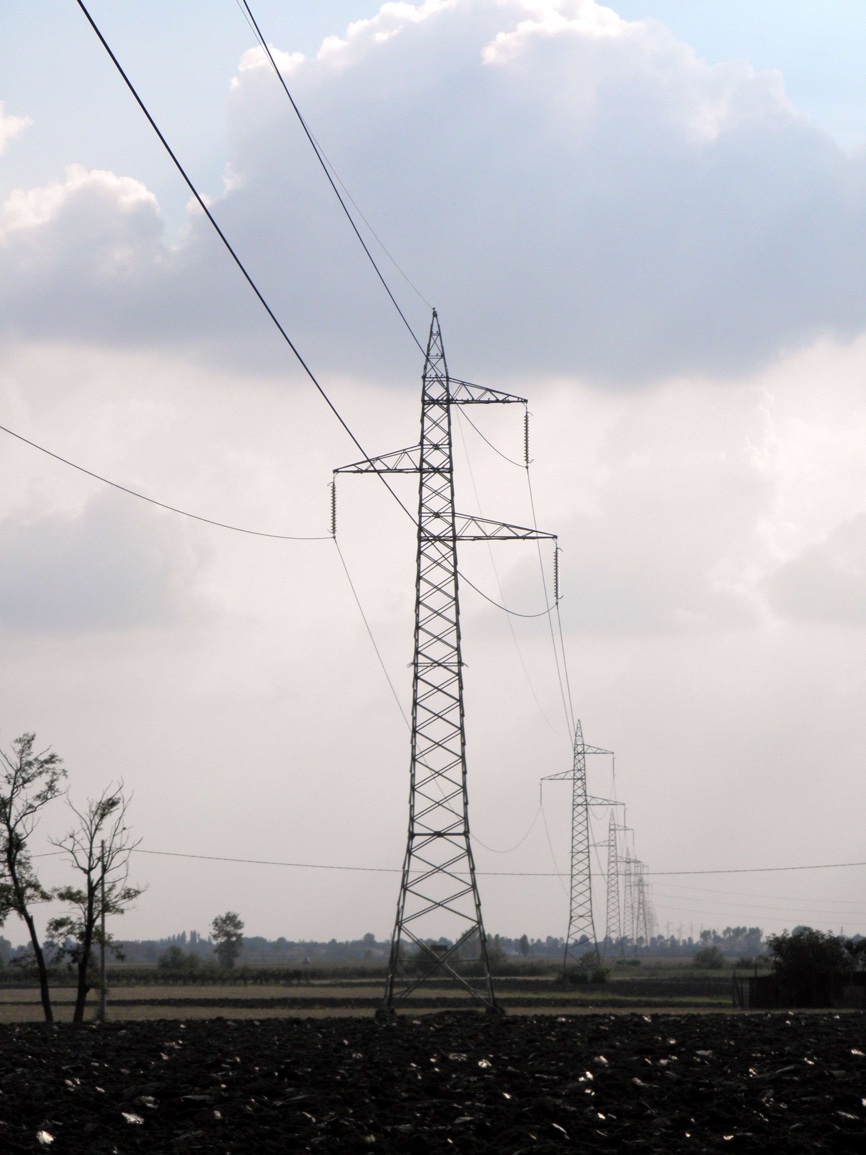 High Voltage Power Lines : File high voltage overhead power line in mardimago g