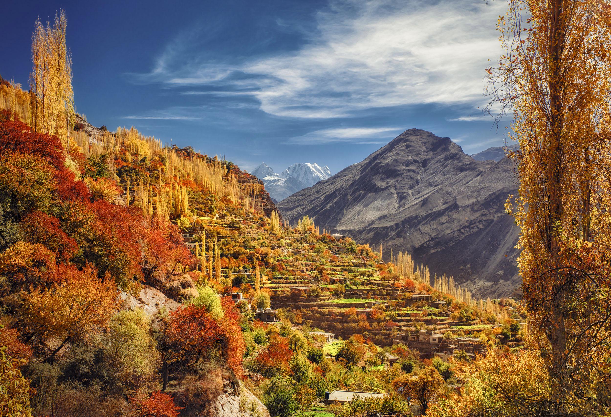 Fichier:Hunza - Altit Valley - Nasr Rahman.jpg — Wikipédia
