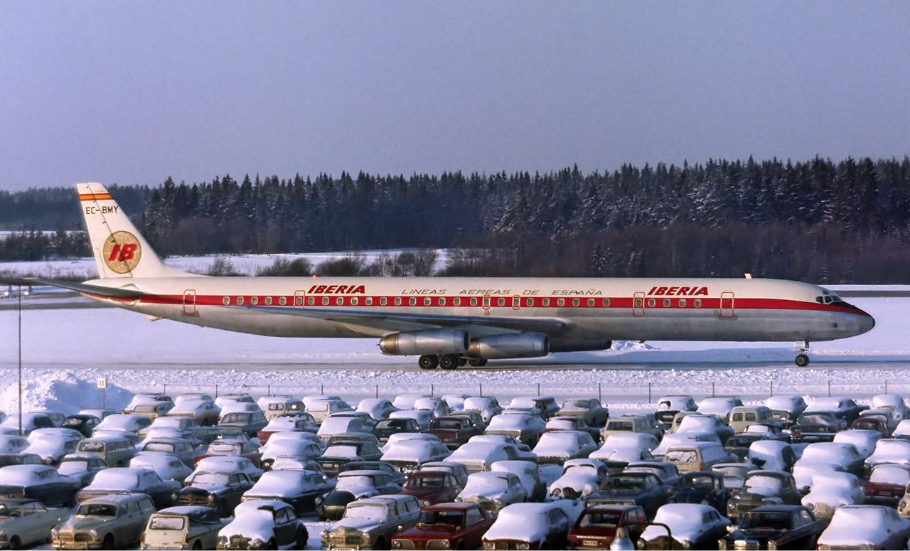 Iberia_McDonnell_Douglas_DC-8-63_Soderst