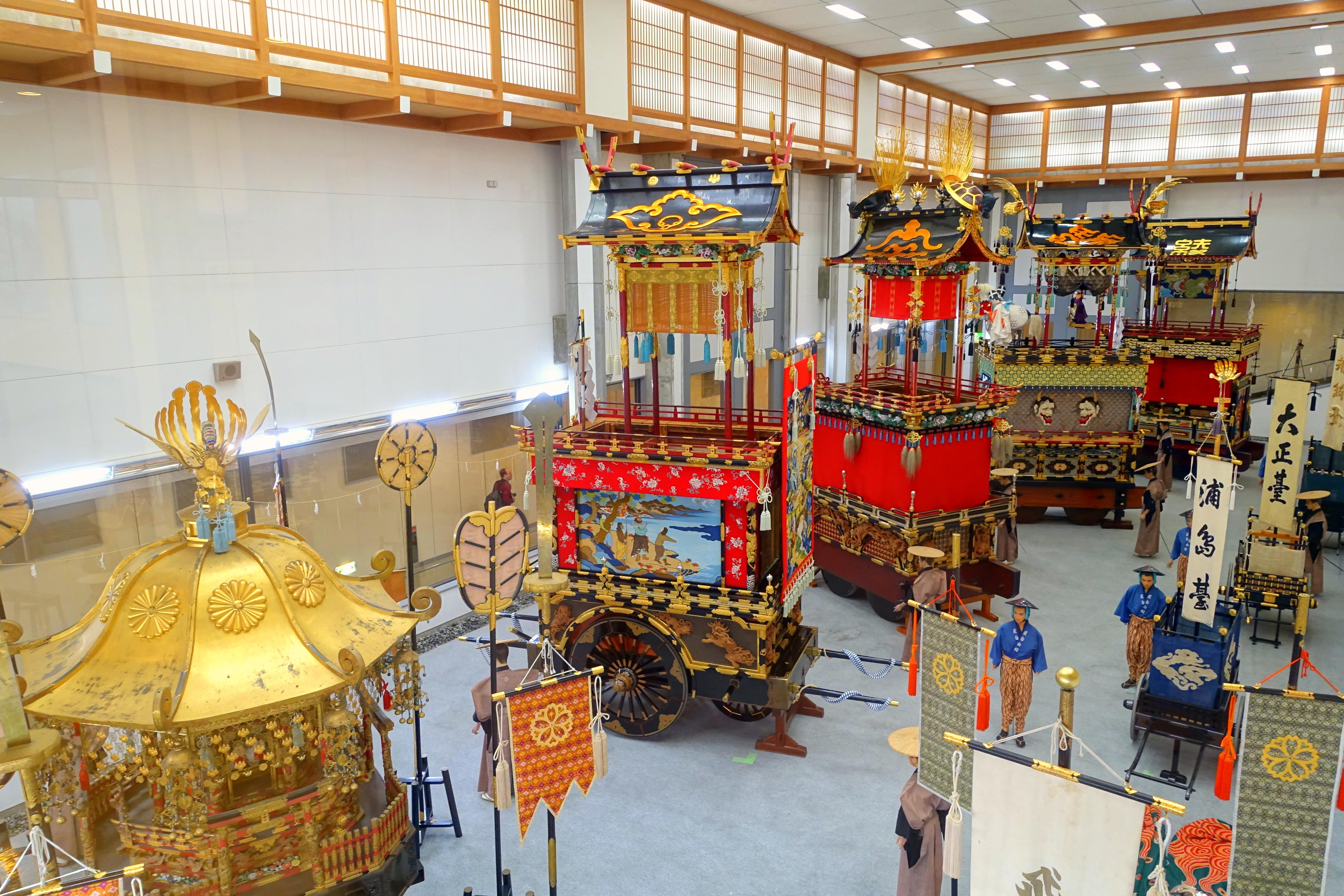 Interior - Takayama Festival Float Exhibition Hall - Takayama, Gifu, Japan - DSC06591.jpg