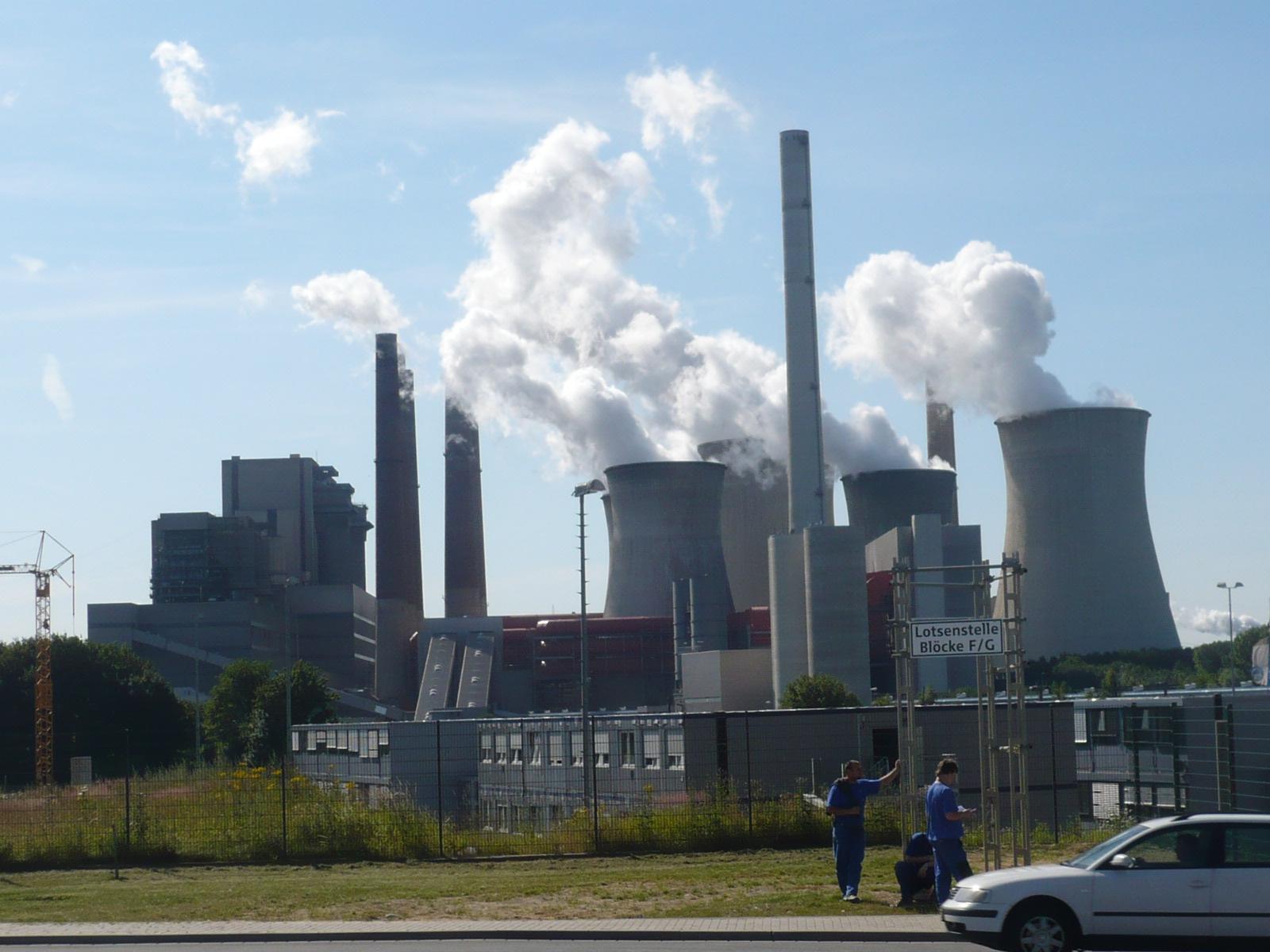 Datei:Kraftwerk Neurath - Bestandskraftwerk 03.JPG