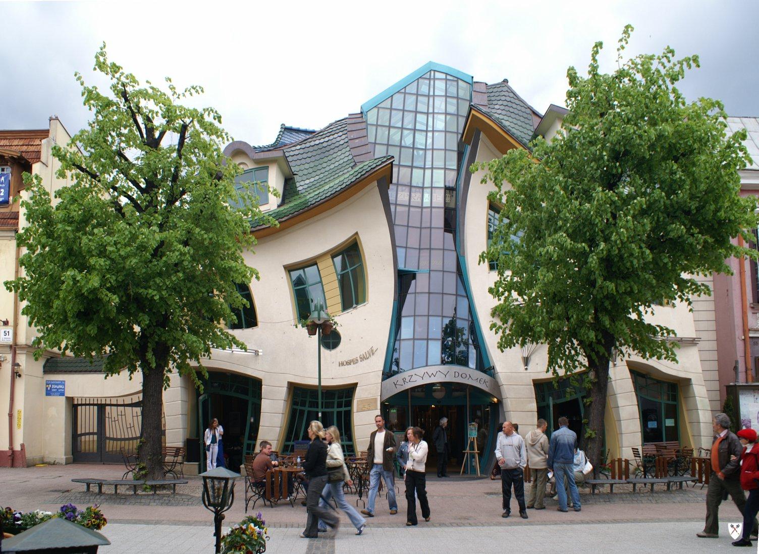 KRZYWY DOMEK [Sopot, Polonia] (Topory/Wikipedia)