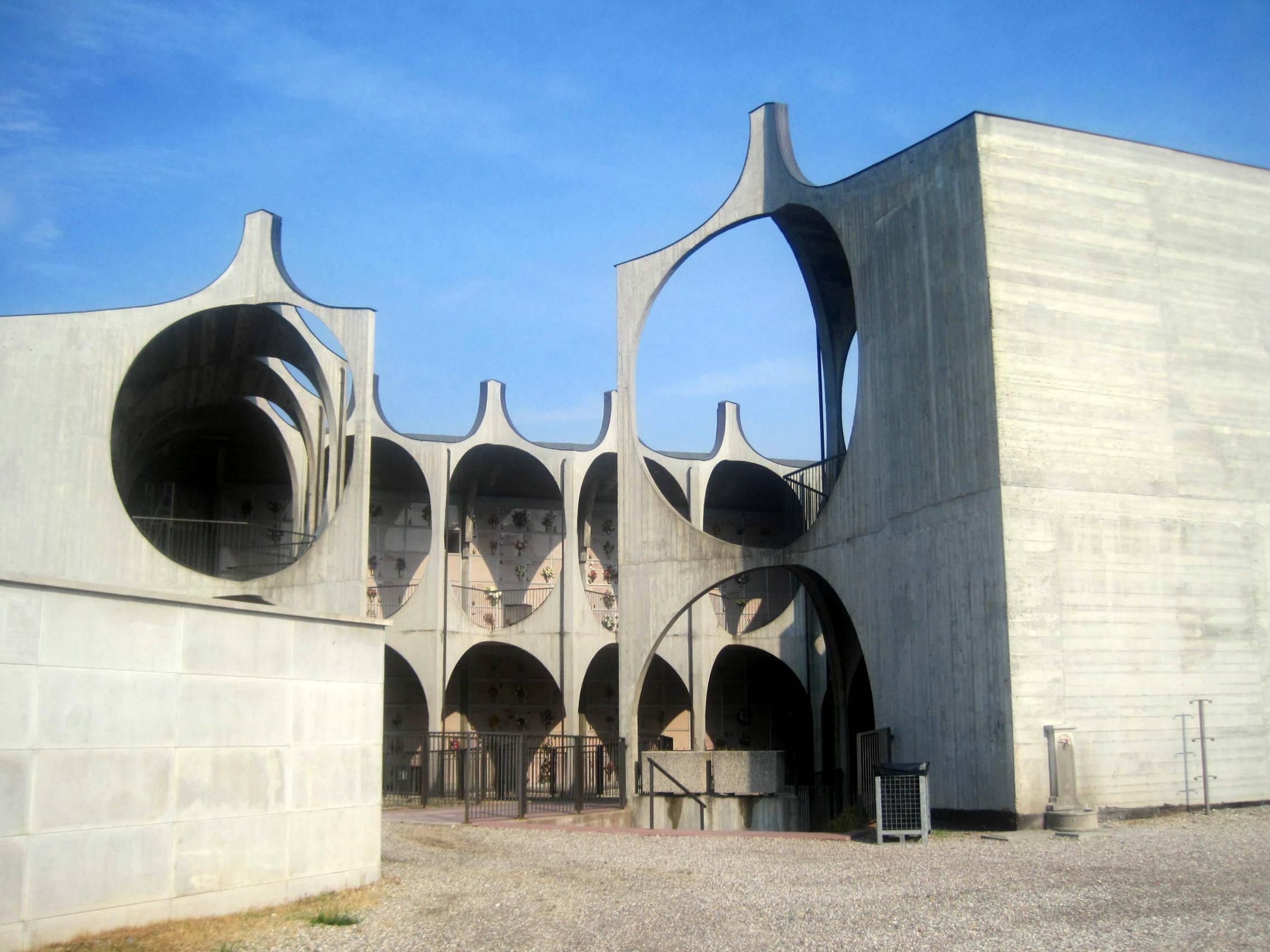 File l 39 architettura moderna del nuovo cimitero di busto for L architettura moderna