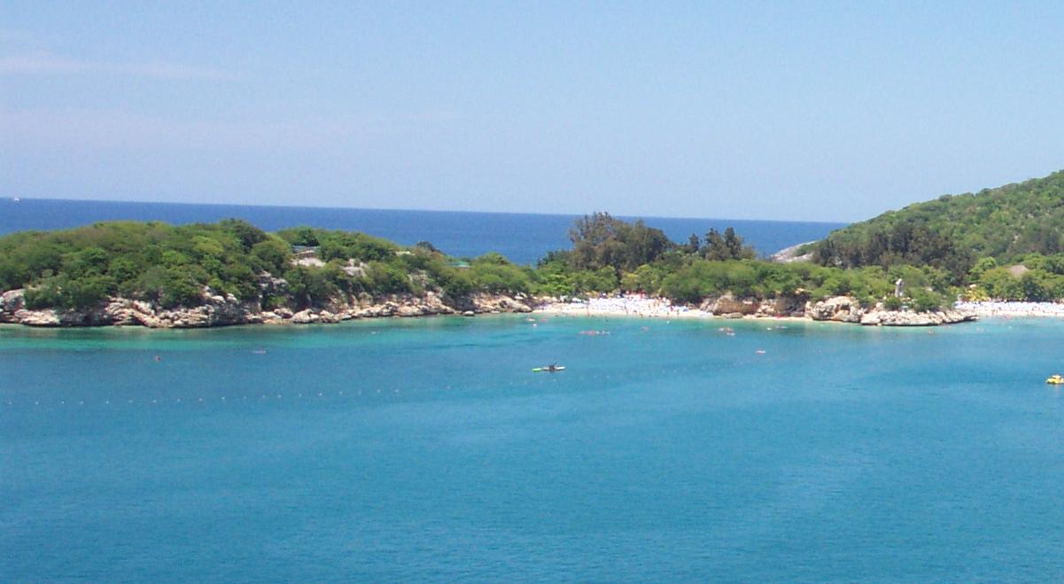 Pulau pribadi dari Royal Caribbean