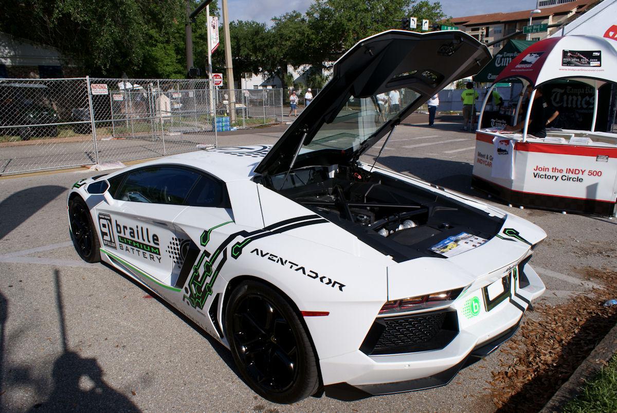 File:Lamborghini Aventador 2012 Sarasota Braille Battery LSideRear SPGP  24March2012 (14719578073)
