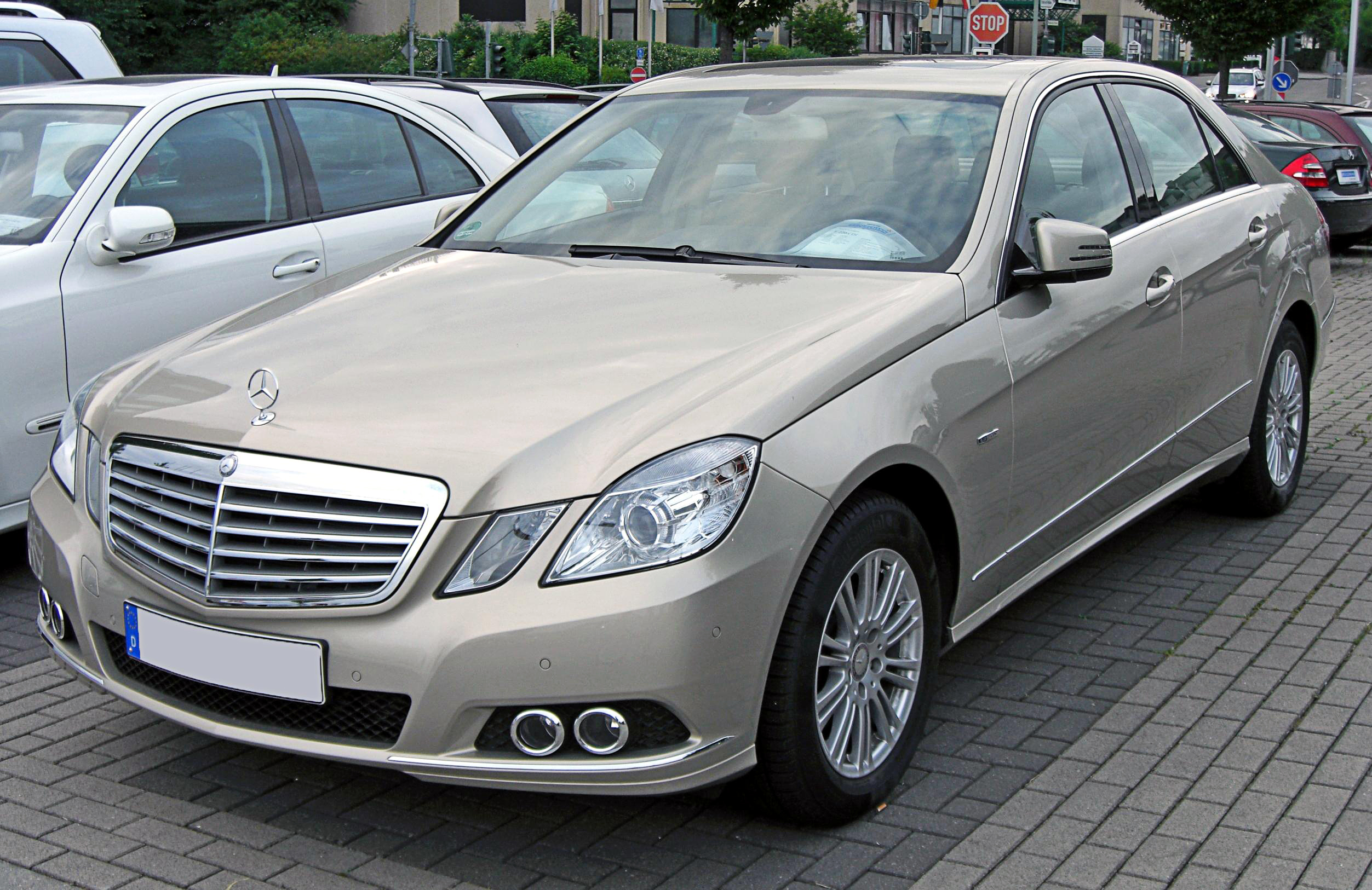 file mercedes e 220 cdi blueefficiency elegance w212 20090603 front jpg wikimedia commons. Black Bedroom Furniture Sets. Home Design Ideas