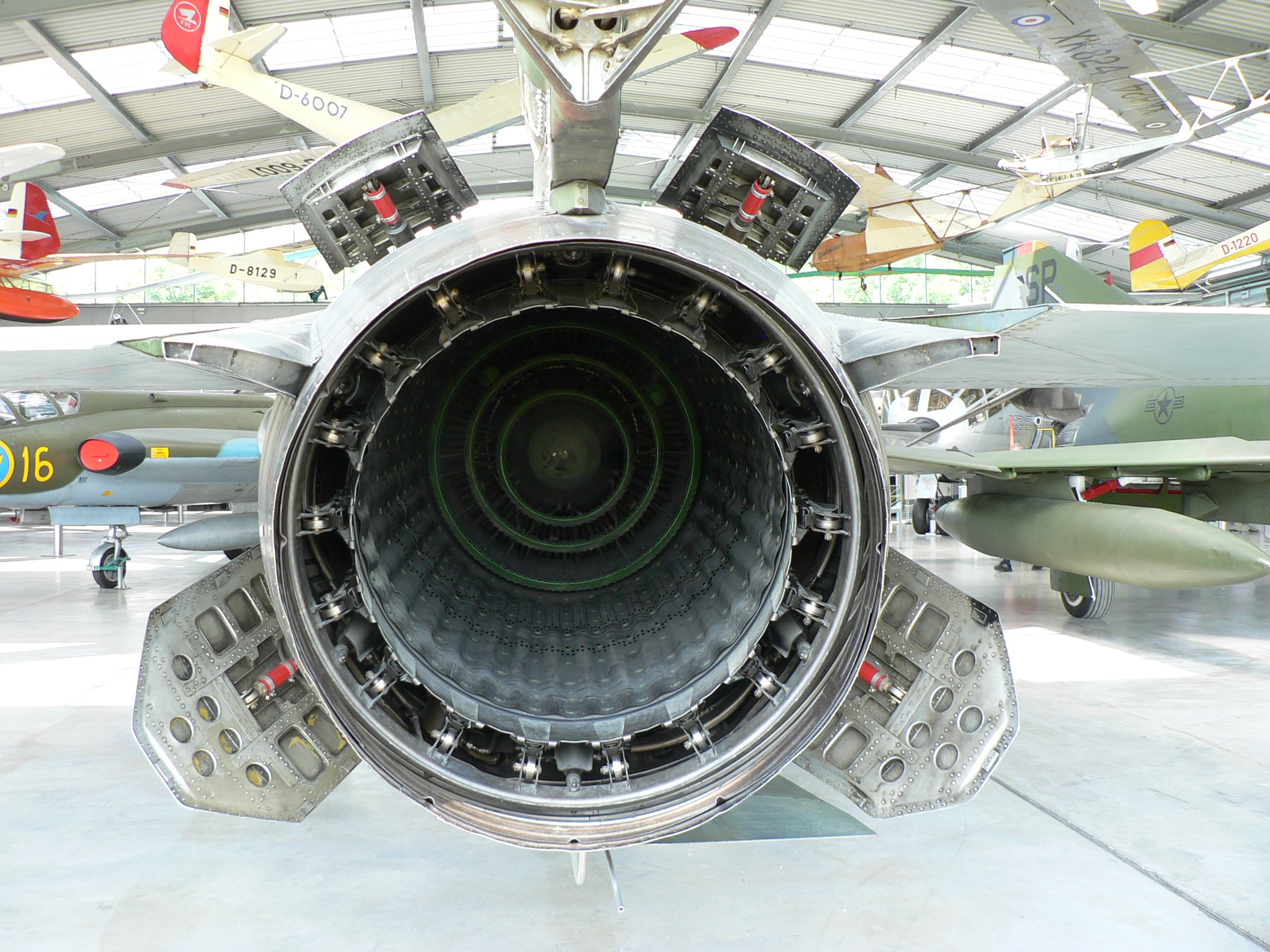 Afterburner Wikipedia Diagram Of A Typical Gas Turbine Jet Engine Air Is Compressed By The Historyedit
