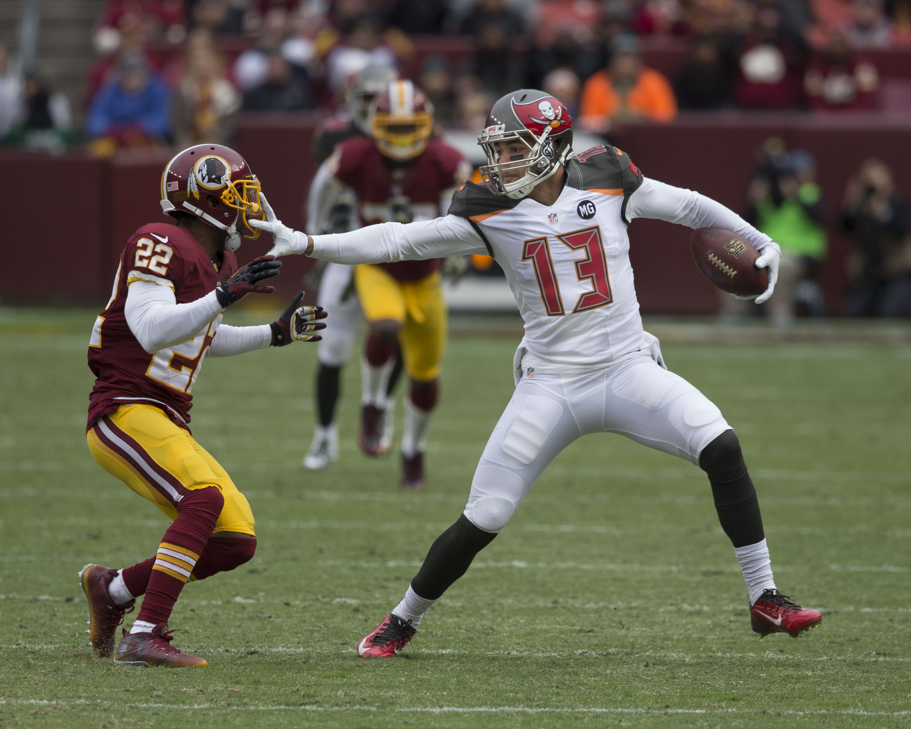 File Mike Evans vs Redskins November 16 2014 Wikimedia mons