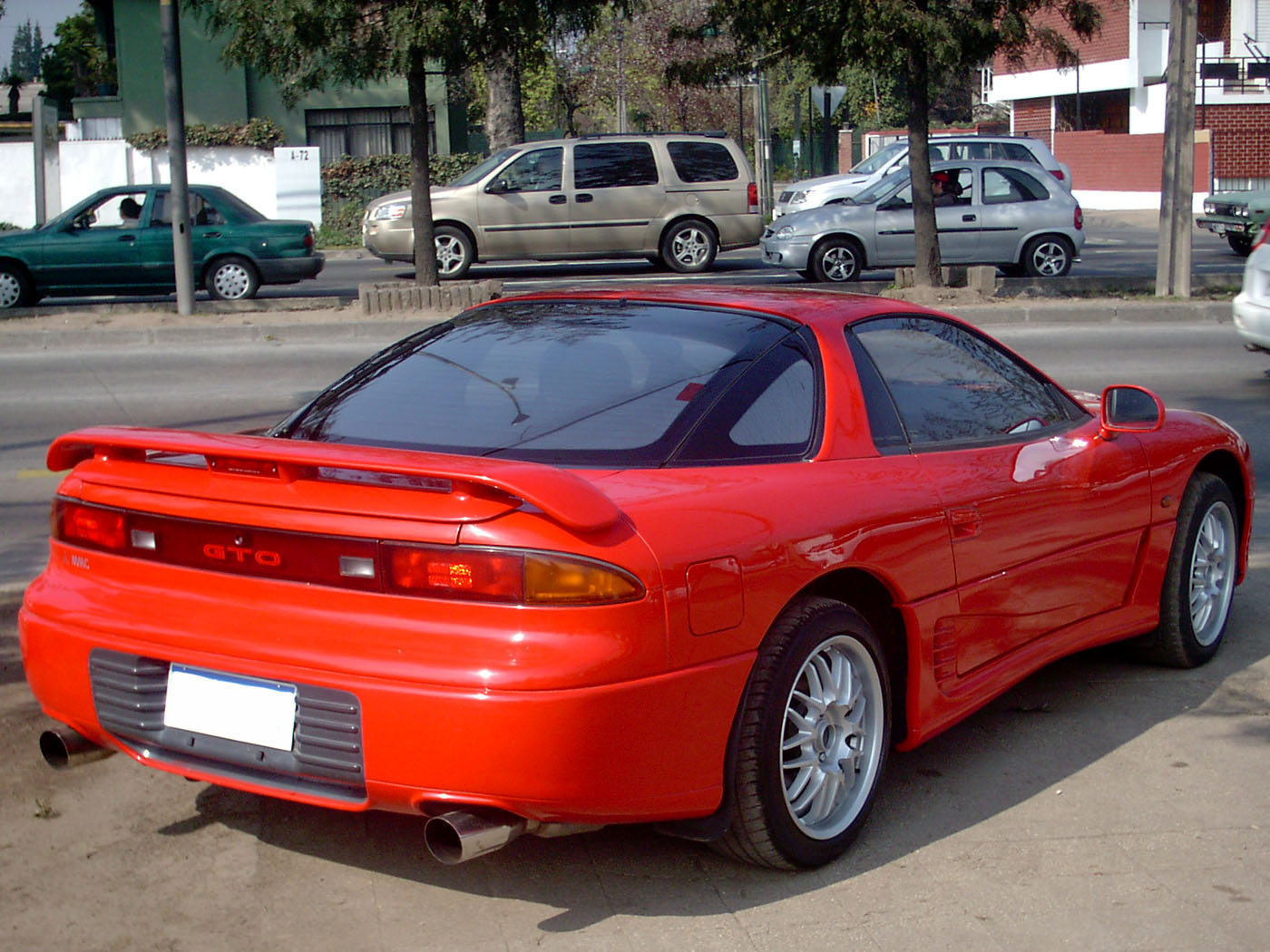 https://upload.wikimedia.org/wikipedia/commons/f/f6/Mitsubishi_GTO_VR4_1990_%2814471501841%29.jpg