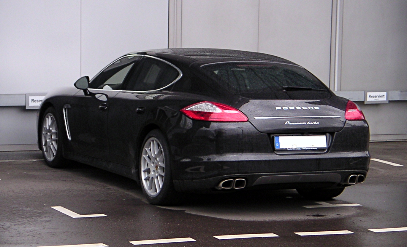 File Porsche Panamera Turbo Rear Jpg Wikimedia Commons