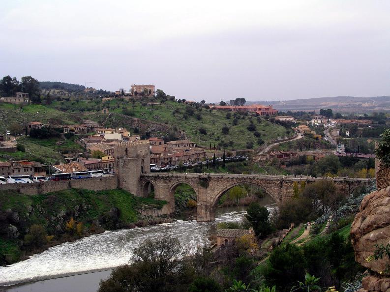 File:Puente san Martin.jpg