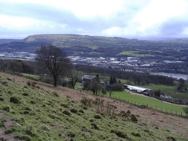 Rhymney_Valley_-_geograph.org.uk_-_371455.jpg
