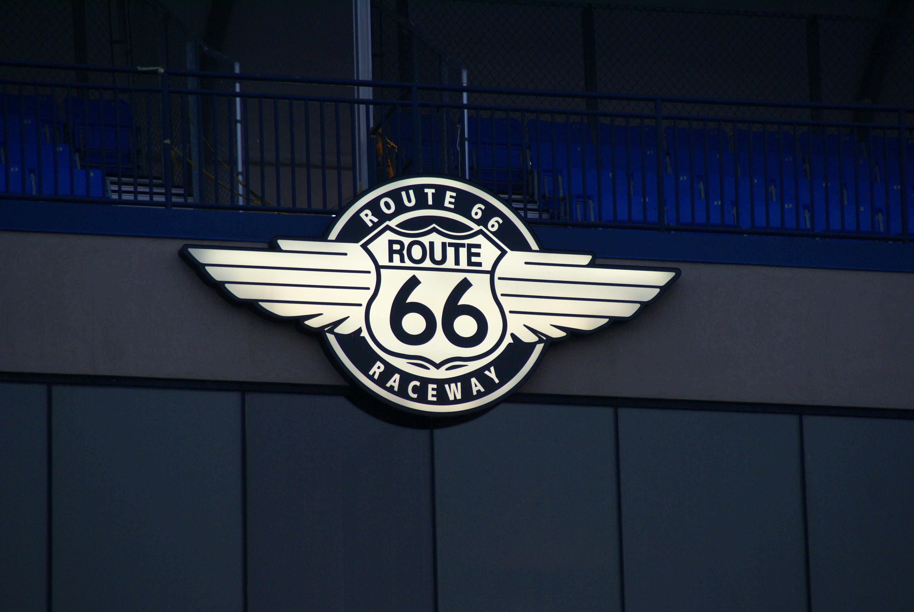Route 66 Raceway - Wikipedia