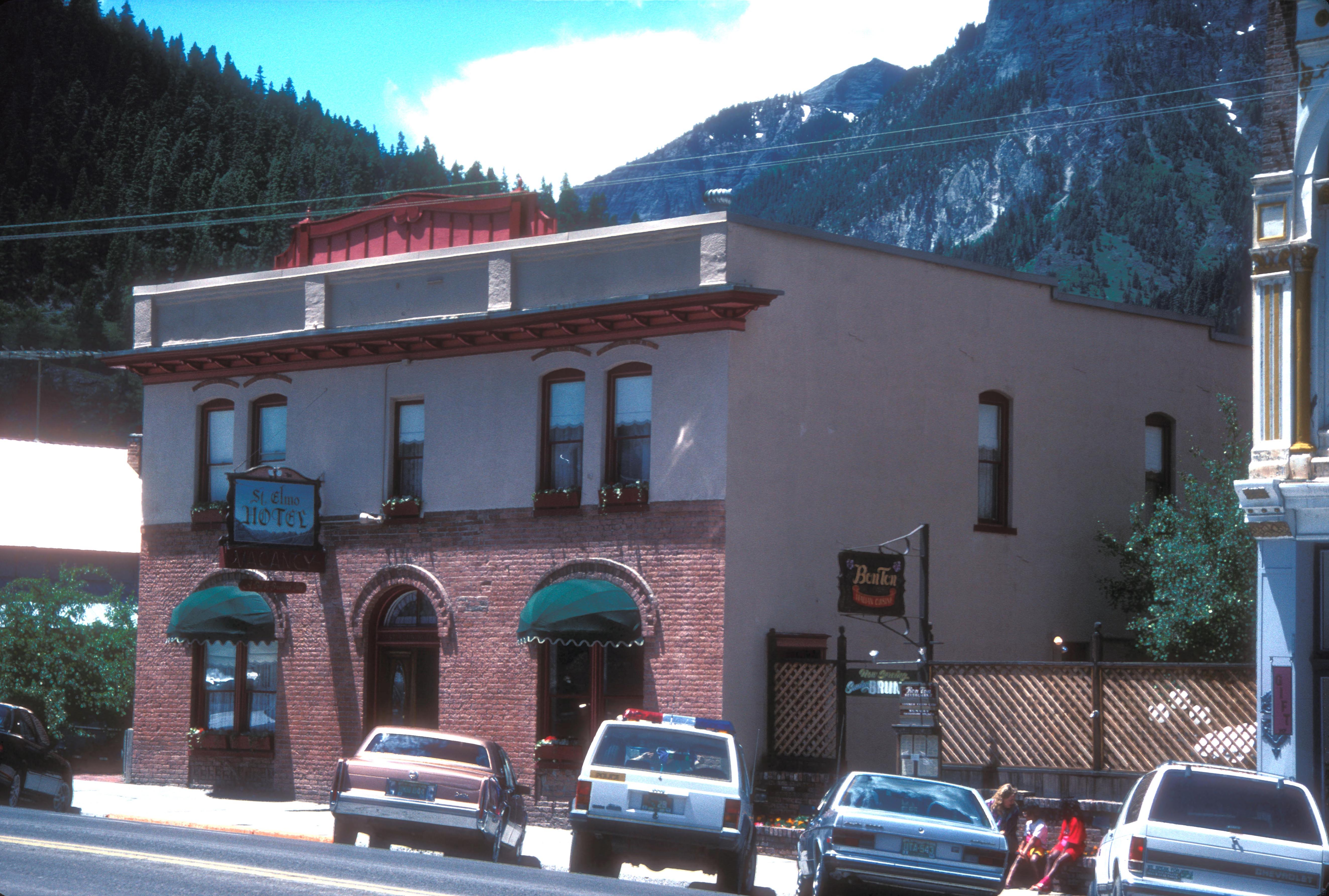 File st elmo 39 s hotel ouray wikimedia commons for St elmo colorado cabins
