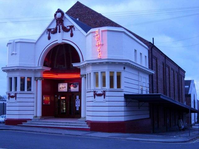 reel cinema fareham paper towns