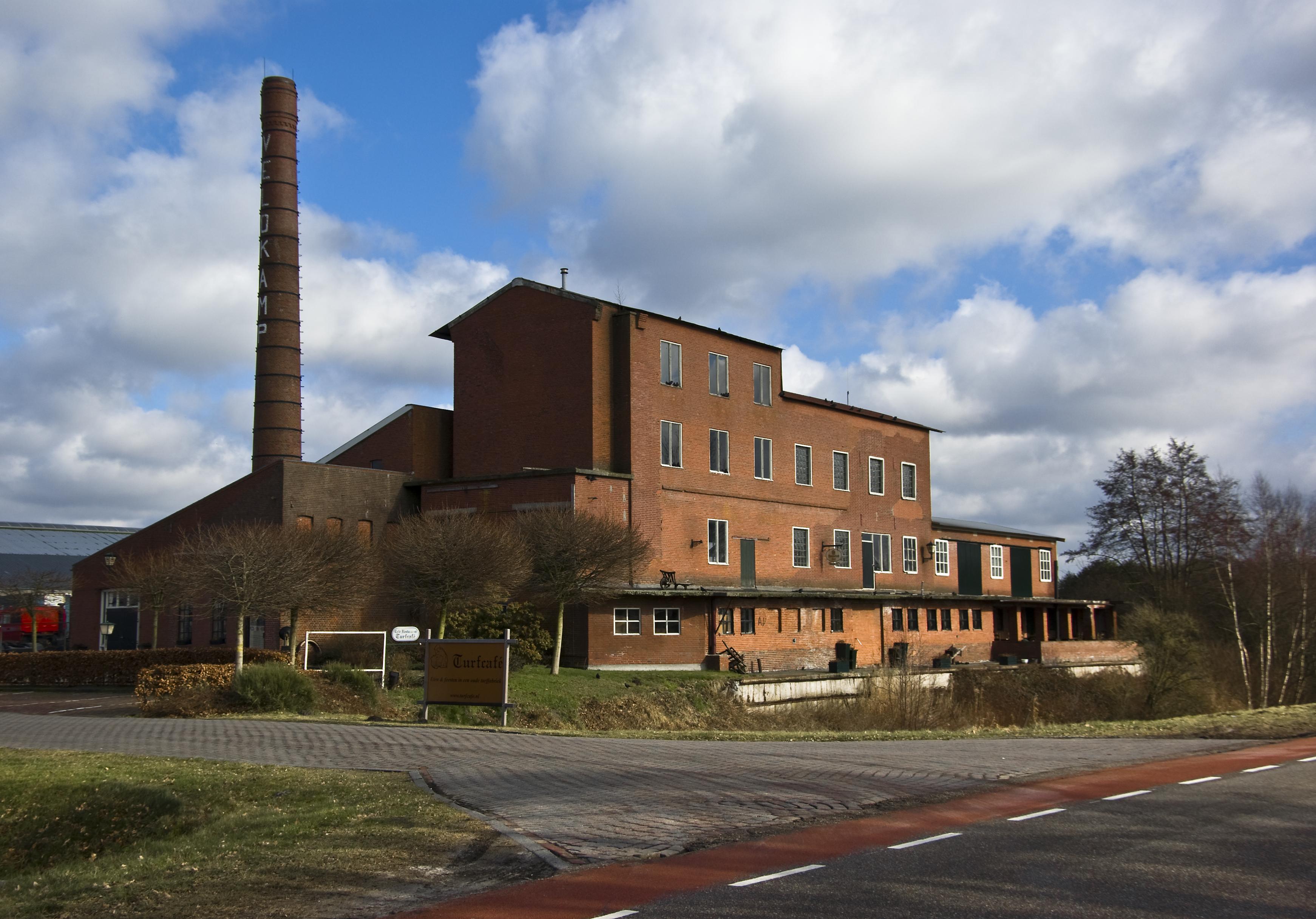 File:Jaknikker Pallert Schoonebeek.JPG - Wikimedia Commons