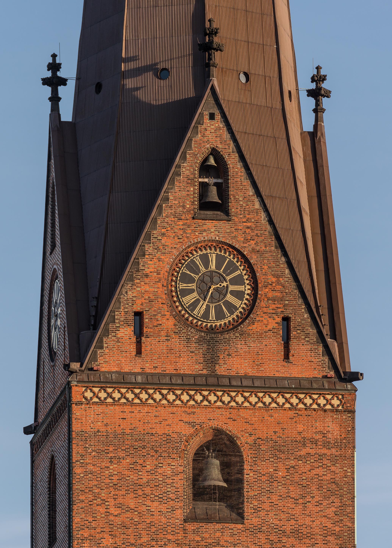 131230 file:st. petri hamburg, tower detail 131230 1
