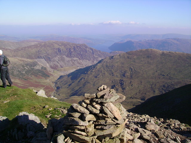 Summit Cairn, Catstye Cam - geograph.org.uk - 649047.jpg English: Summit Cairn, Catstye Cam Catstye Cam's top is one of the best with wonderful views all