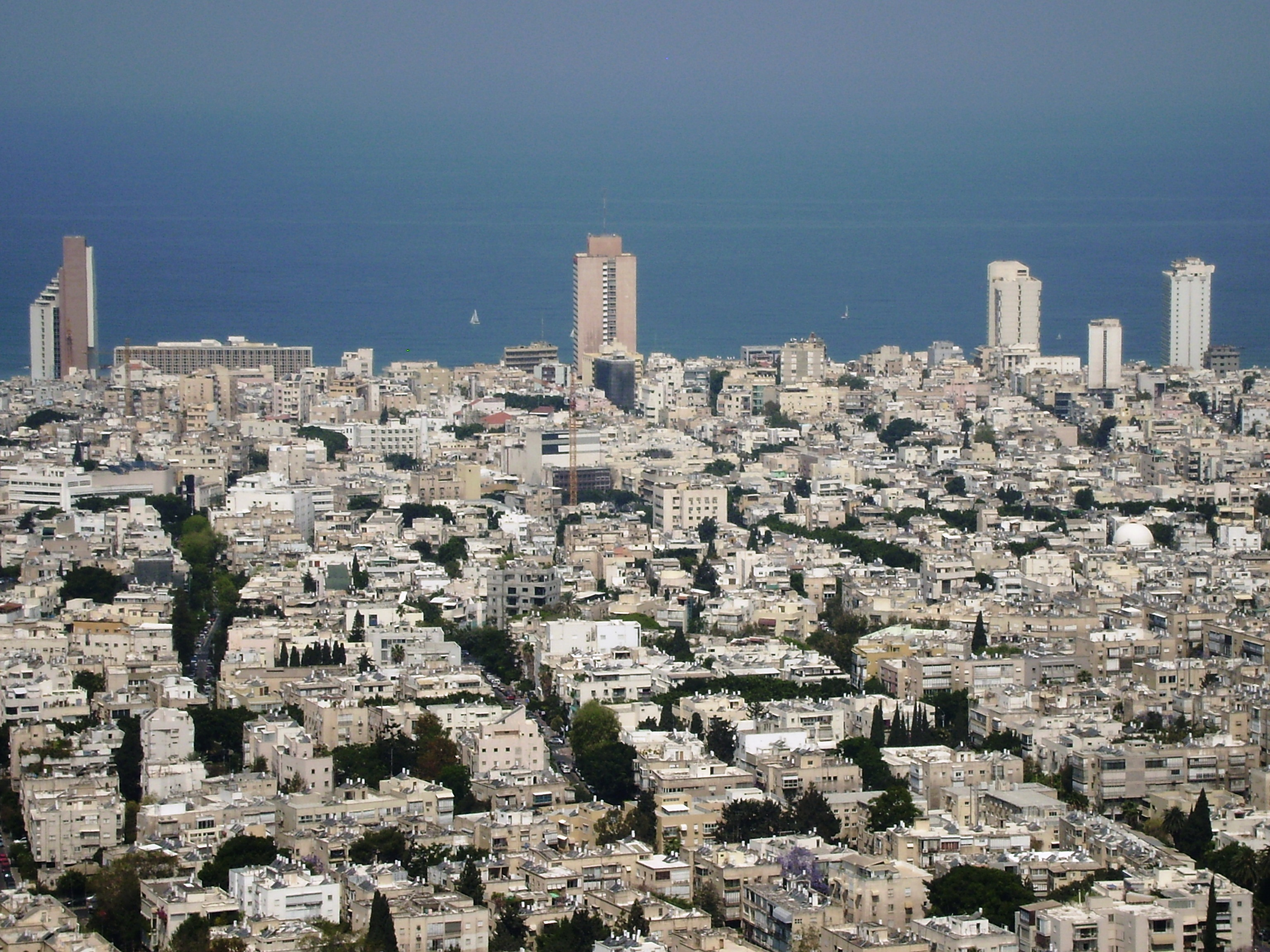 File:Tel-Aviv-100.JPG - Wikimedia Commons
