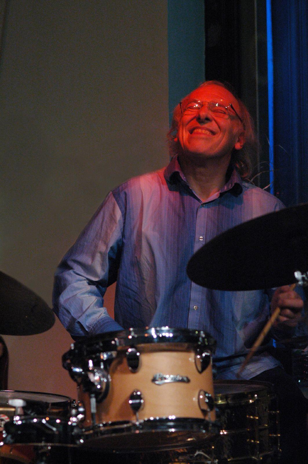 Tony Levin (drummer) - Wikipedia