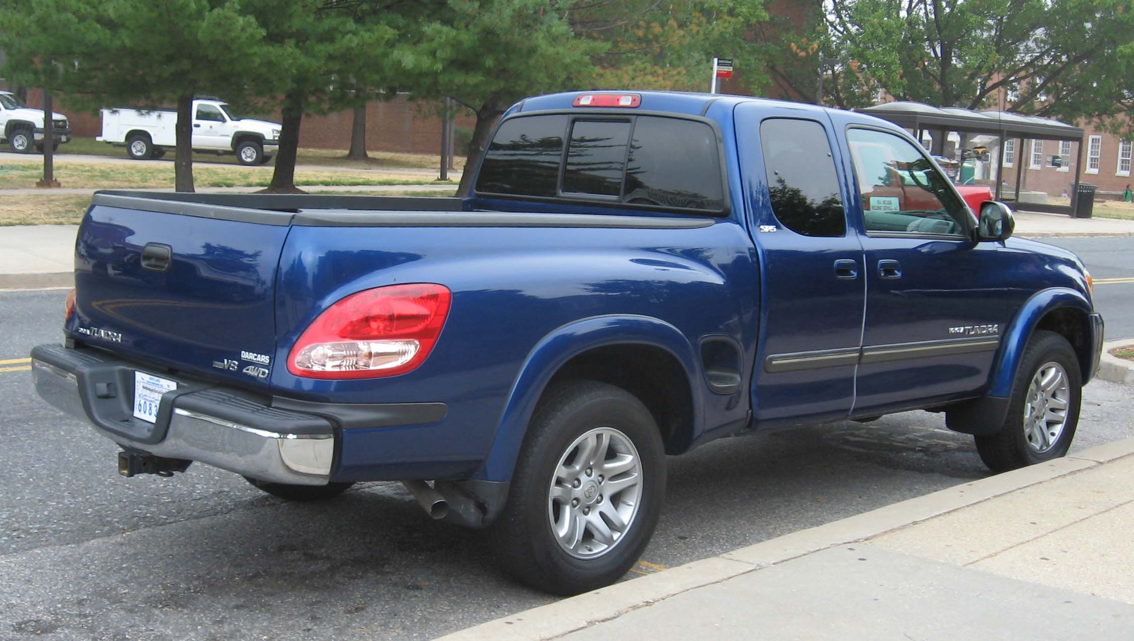 Description Toyota-Tundra-StepSide.jpg