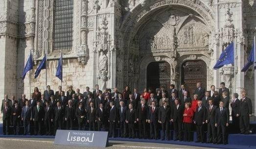 Datei:Tratado de Lisboa 13 12 2007 (08) edited.jpg