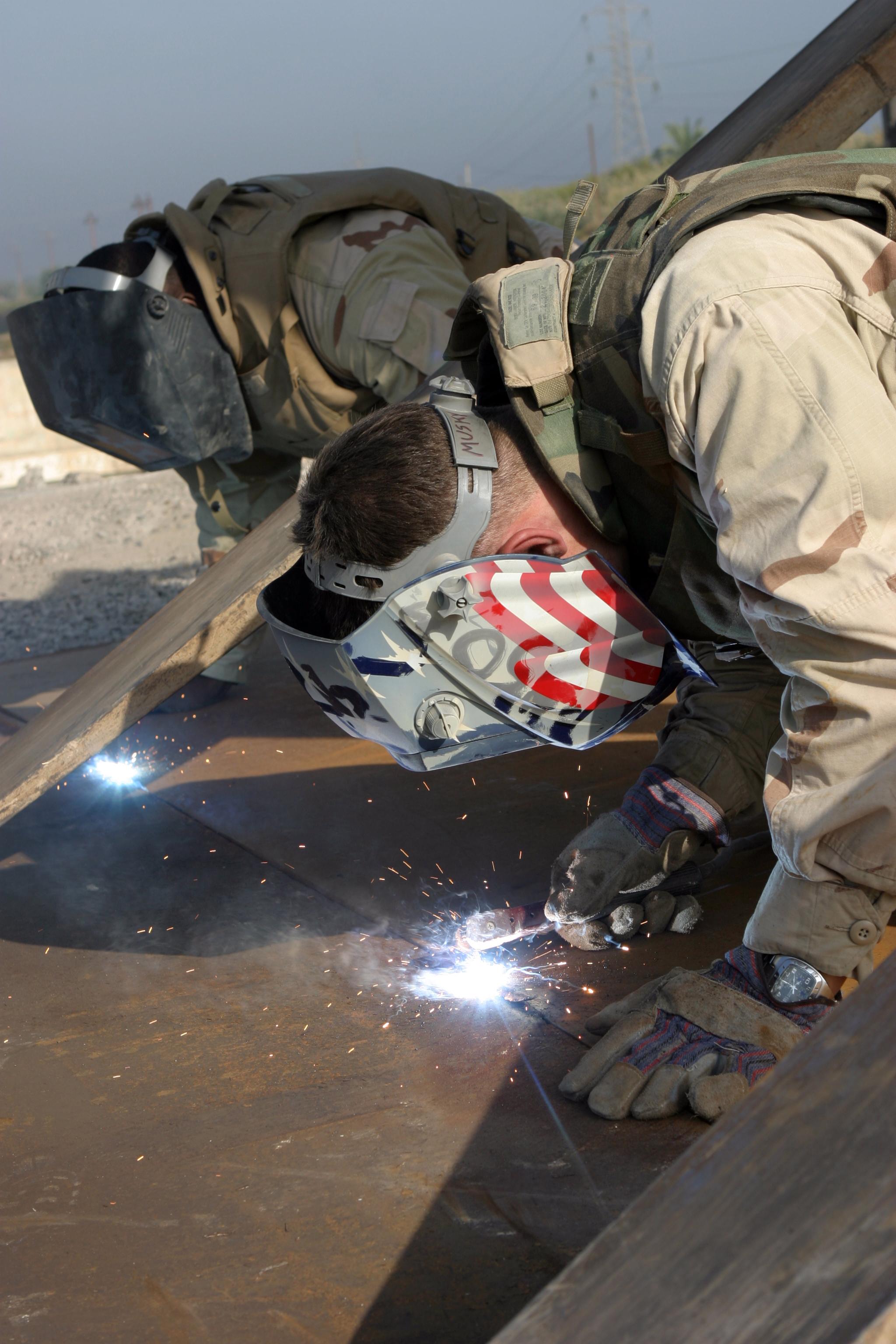 File Us Navy 041116 M 1250b 014 Steelworker 2nd Class Jim