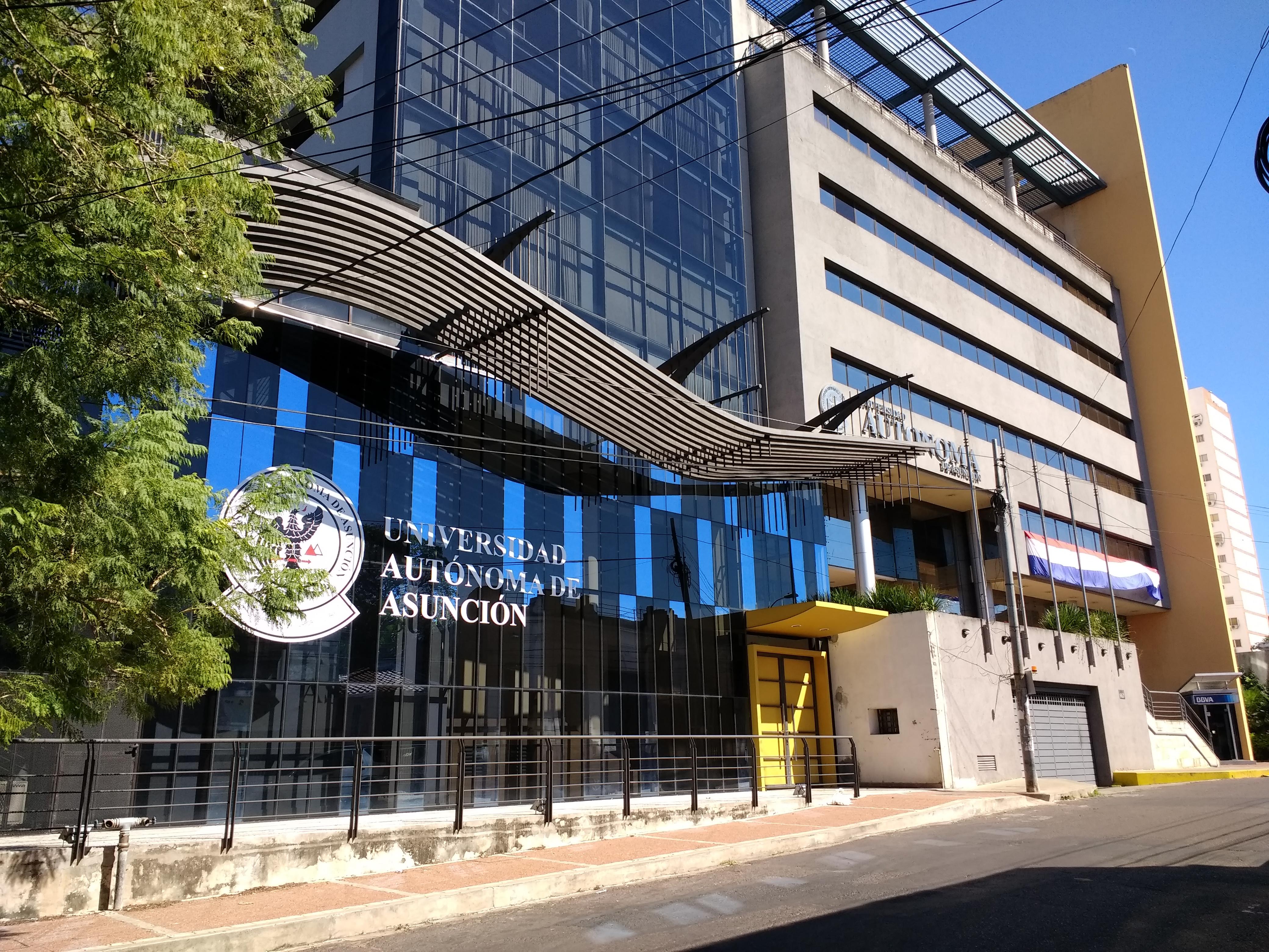 Universidad Autónoma de Asunción 2.jpg