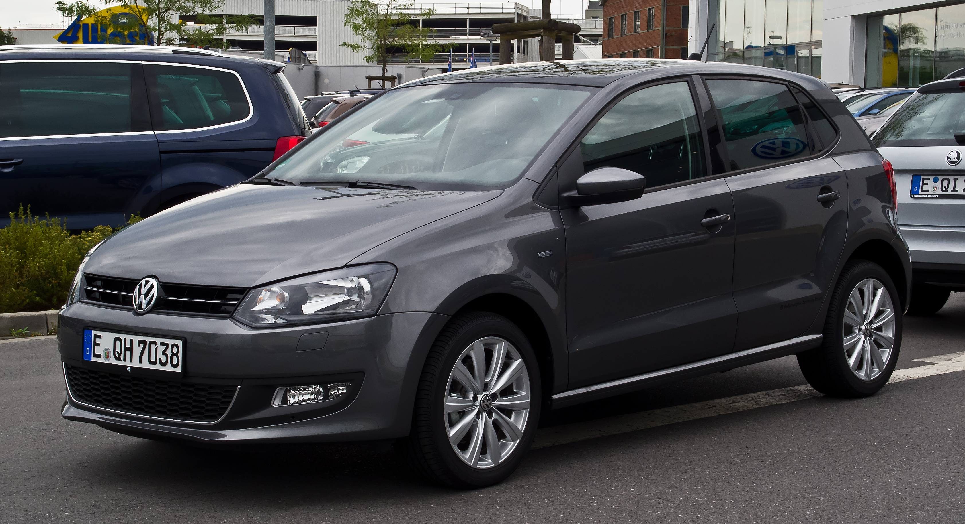 file vw polo 1 2 tsi life v frontansicht 11 august 2013 wikimedia commons. Black Bedroom Furniture Sets. Home Design Ideas