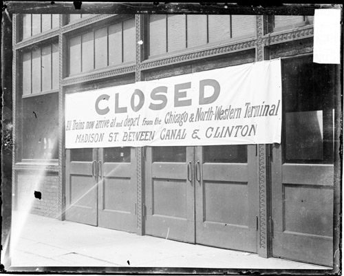 Wells Street Station closed.jpg