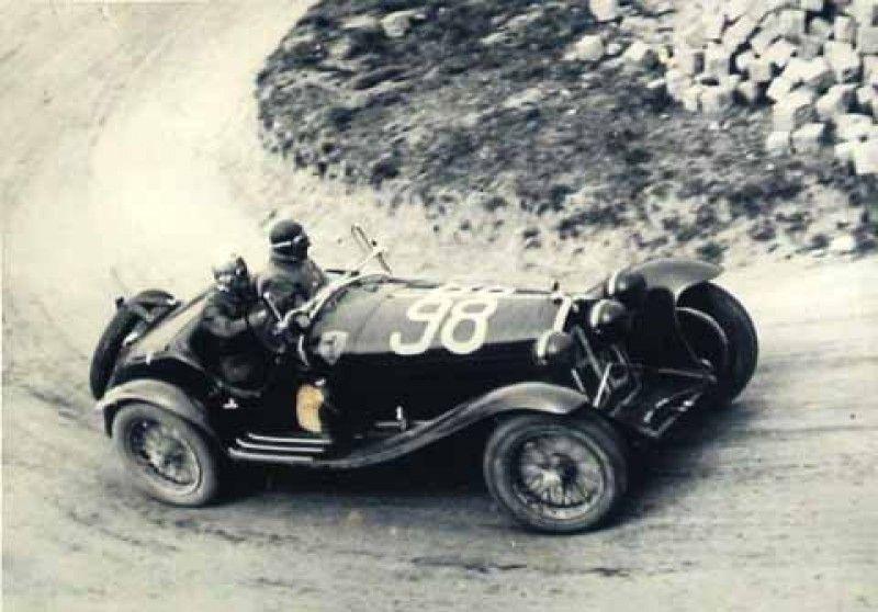 File:1933-04-09 Mille Miglia winner Alfa Romeo 8C Nuvolari e Compagnoni.jpg