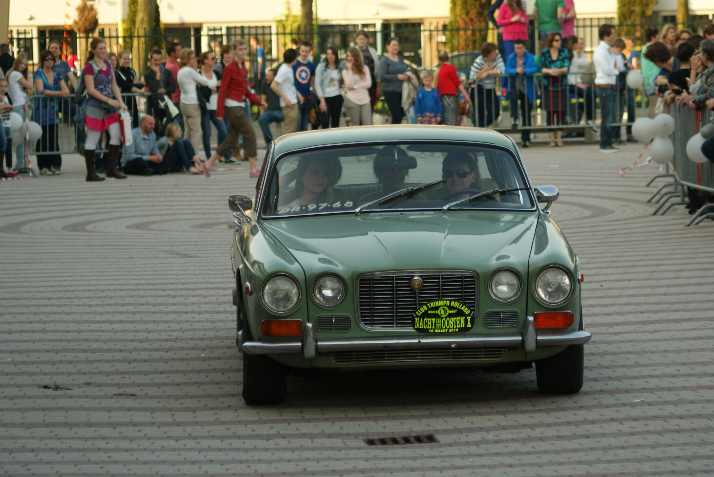 File:1972 Jaguar XJ6 US (8766140457)