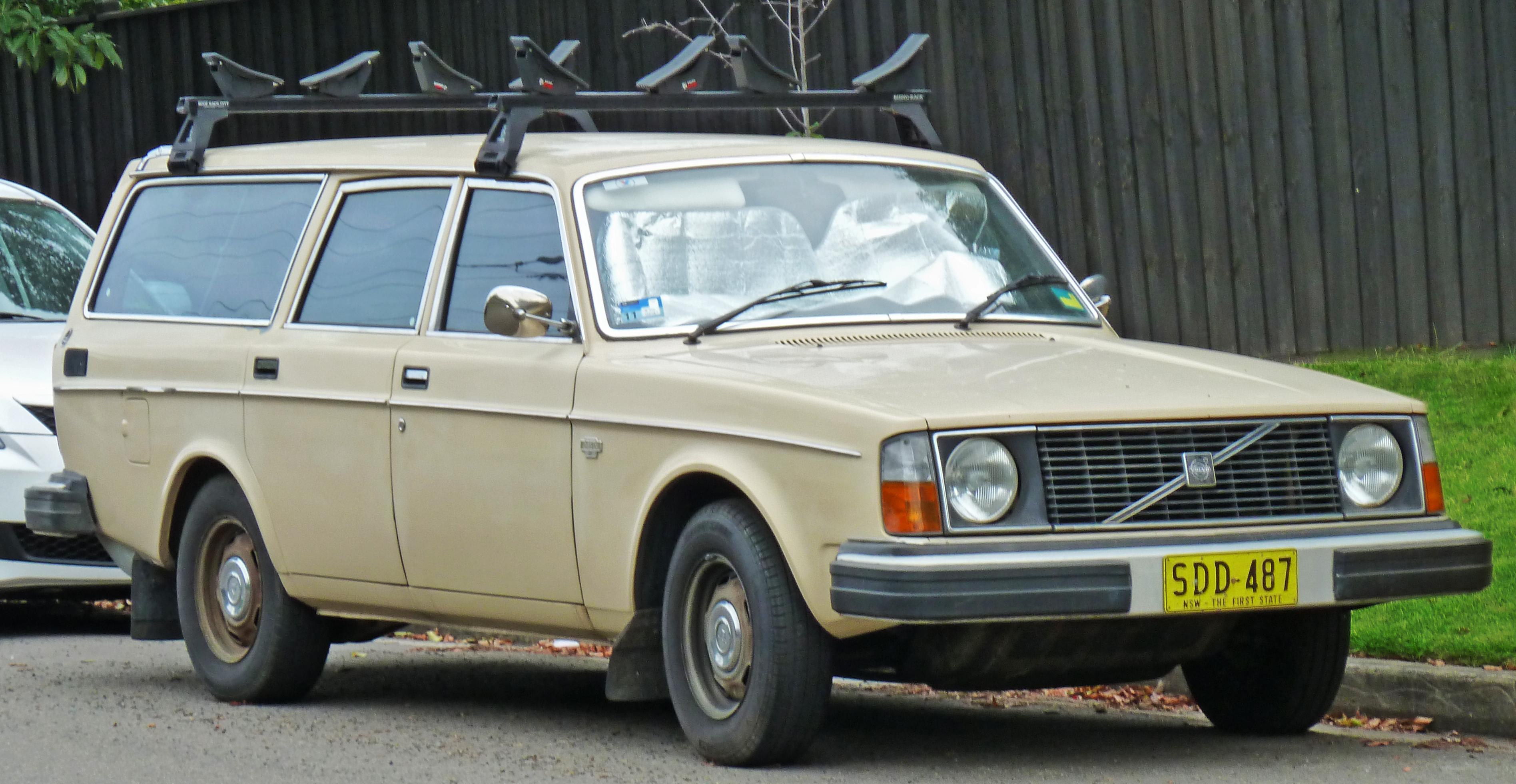 1975 volvo wagon