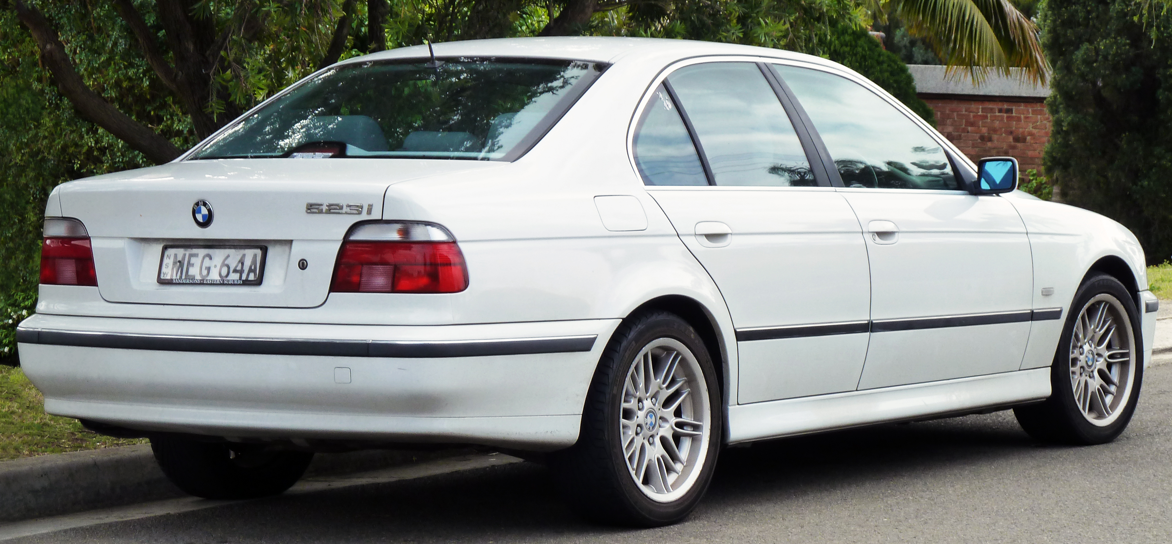 File 1996 2000 Bmw 523i E39 Sedan 03 Jpg Wikimedia Commons