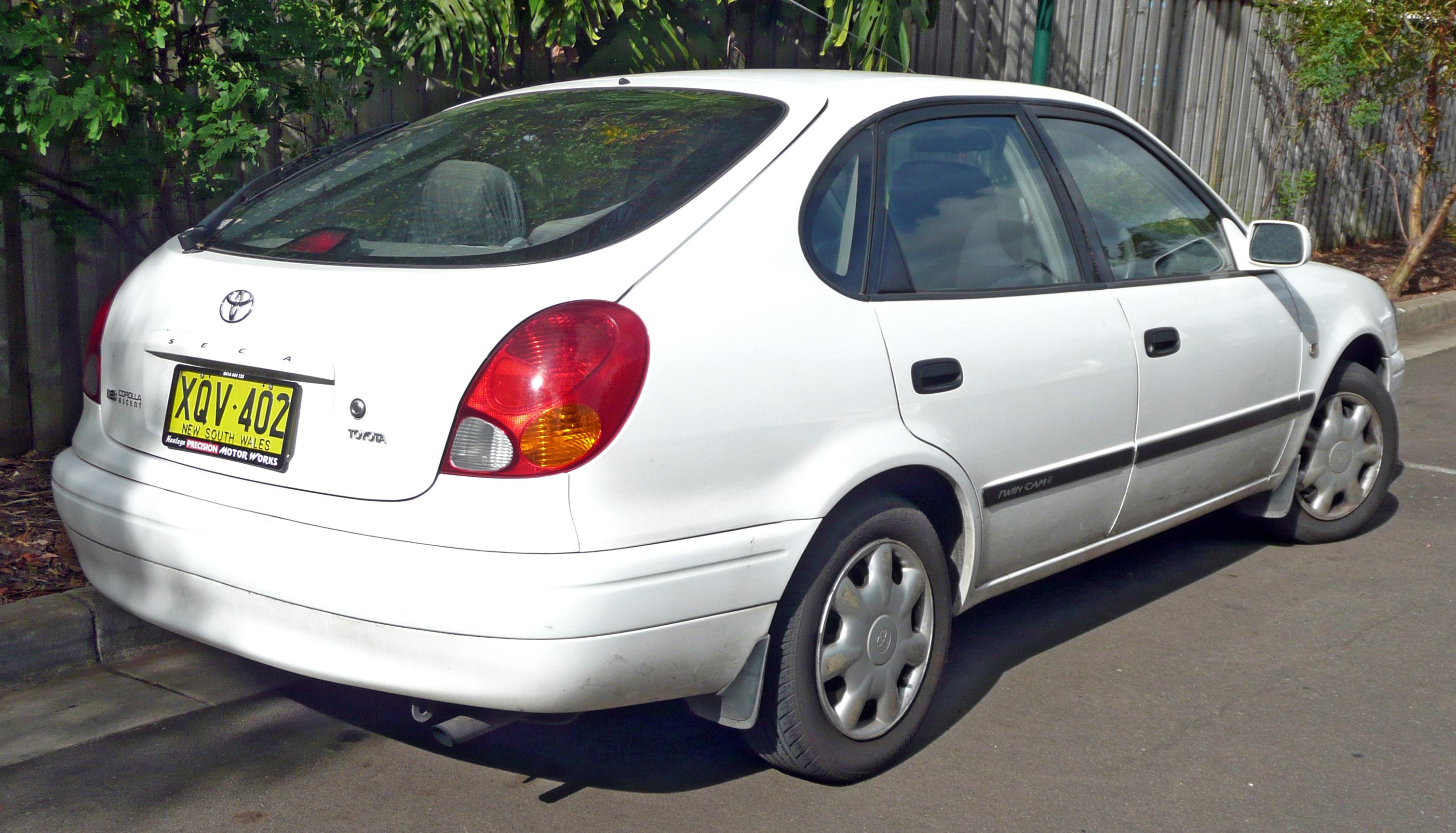2001 toyota corolla seca hatchback