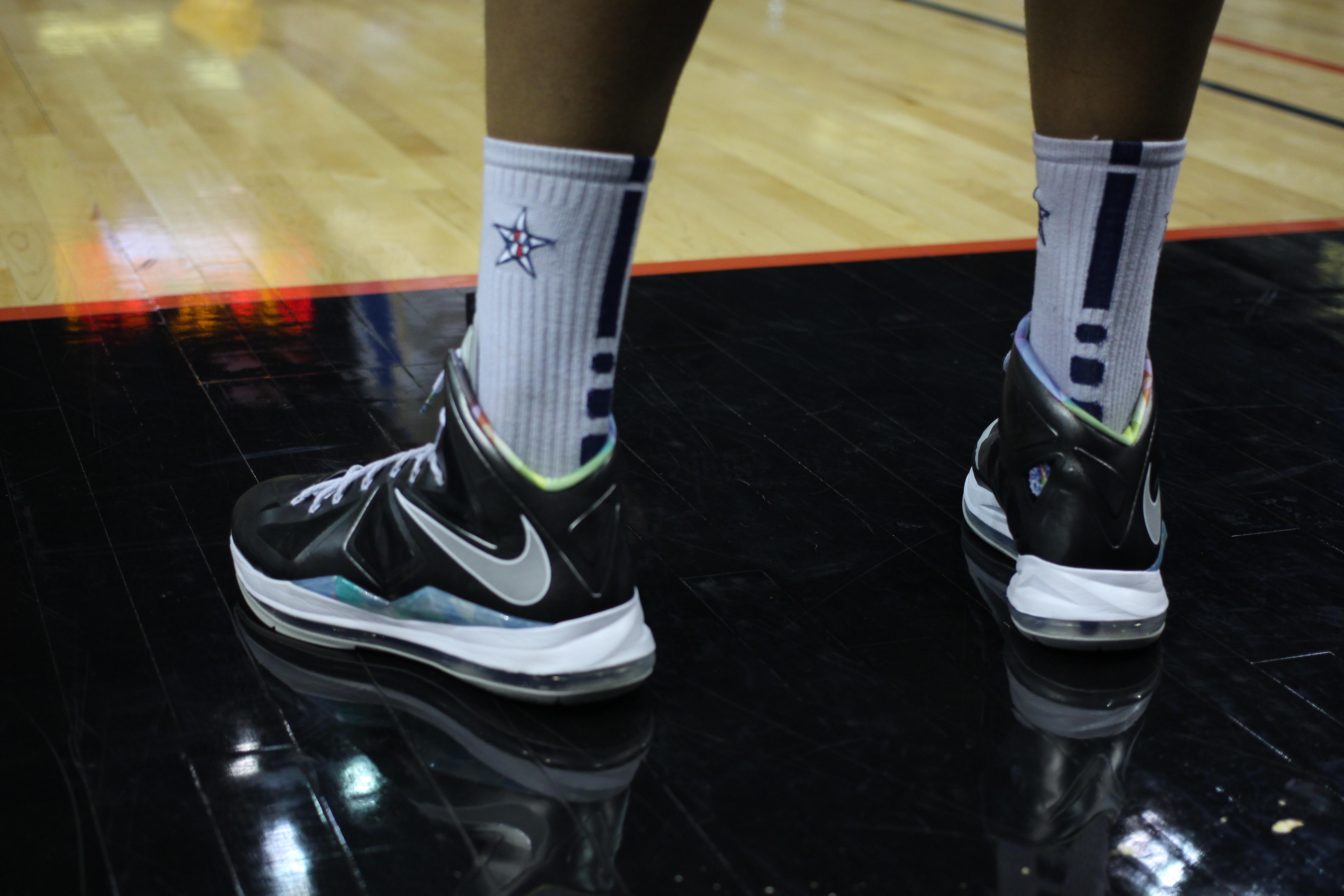 File:20130316 Jabari Parker's sneakers (1).JPG - Wikimedia ... Jabari Parker Shoes