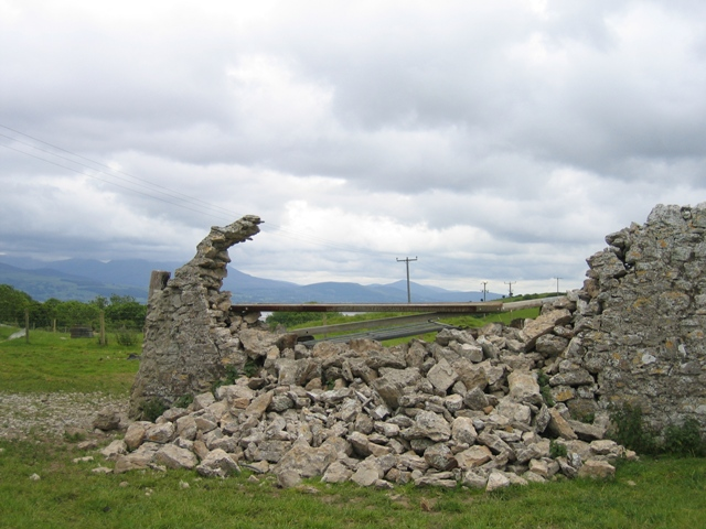 A Collapsed Wall - geograph.org.uk - 283900