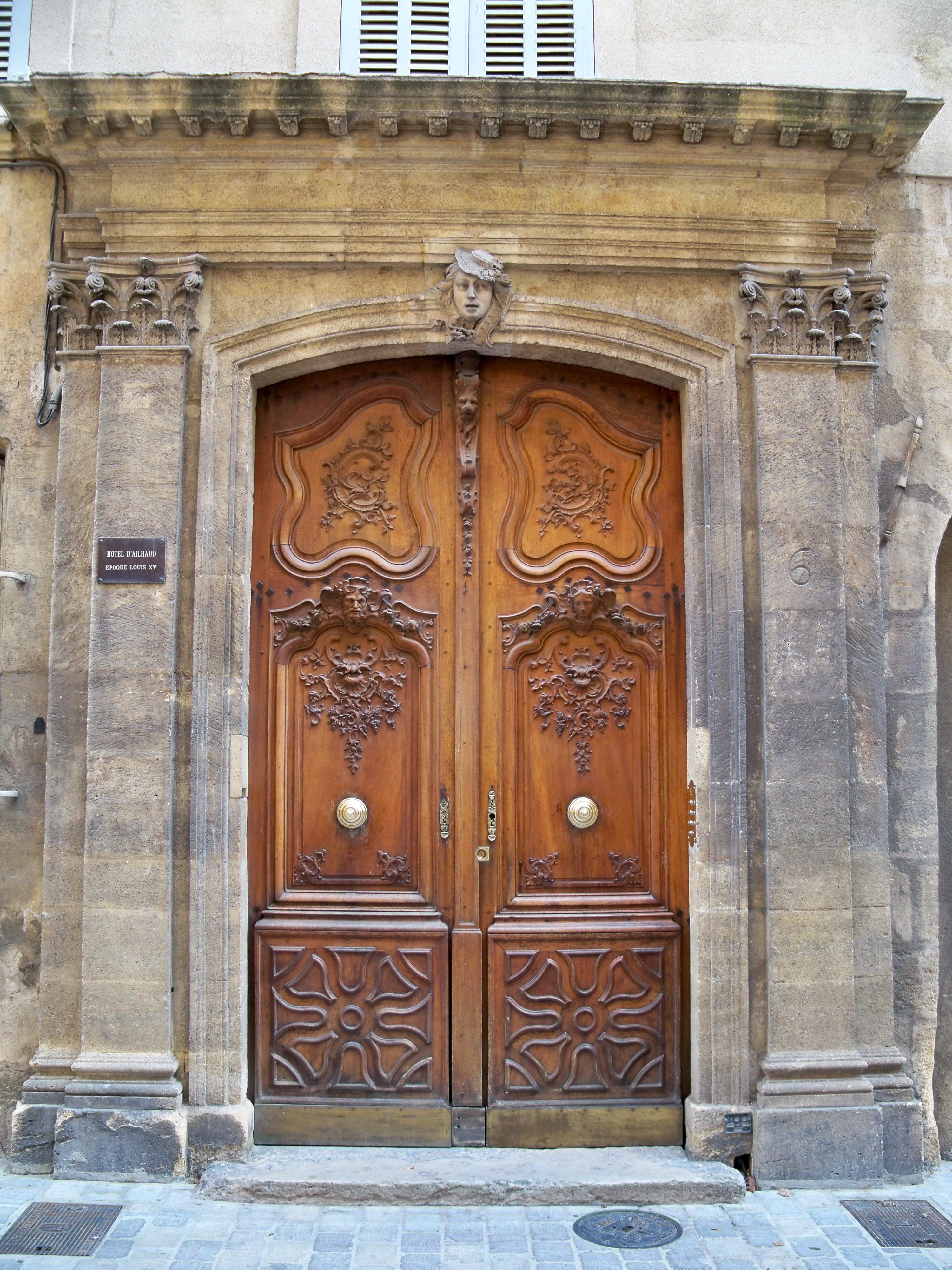 File aix porte hotel d 39 wikimedia commons for Porte french to english