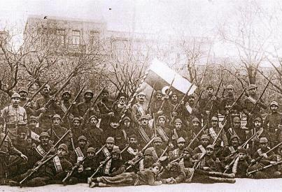 Soldiers and officers of the army of Azerbaijan Democratic Republic in 1918 Army of Azerbaijan in 1918.jpg