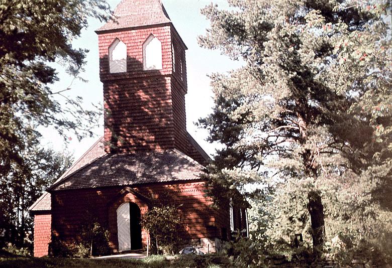 Bild av Bäckaby gamla kyrka