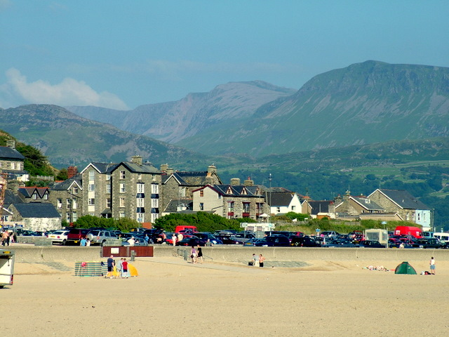 Barmouth Beach - geograph.org.uk - 610710
