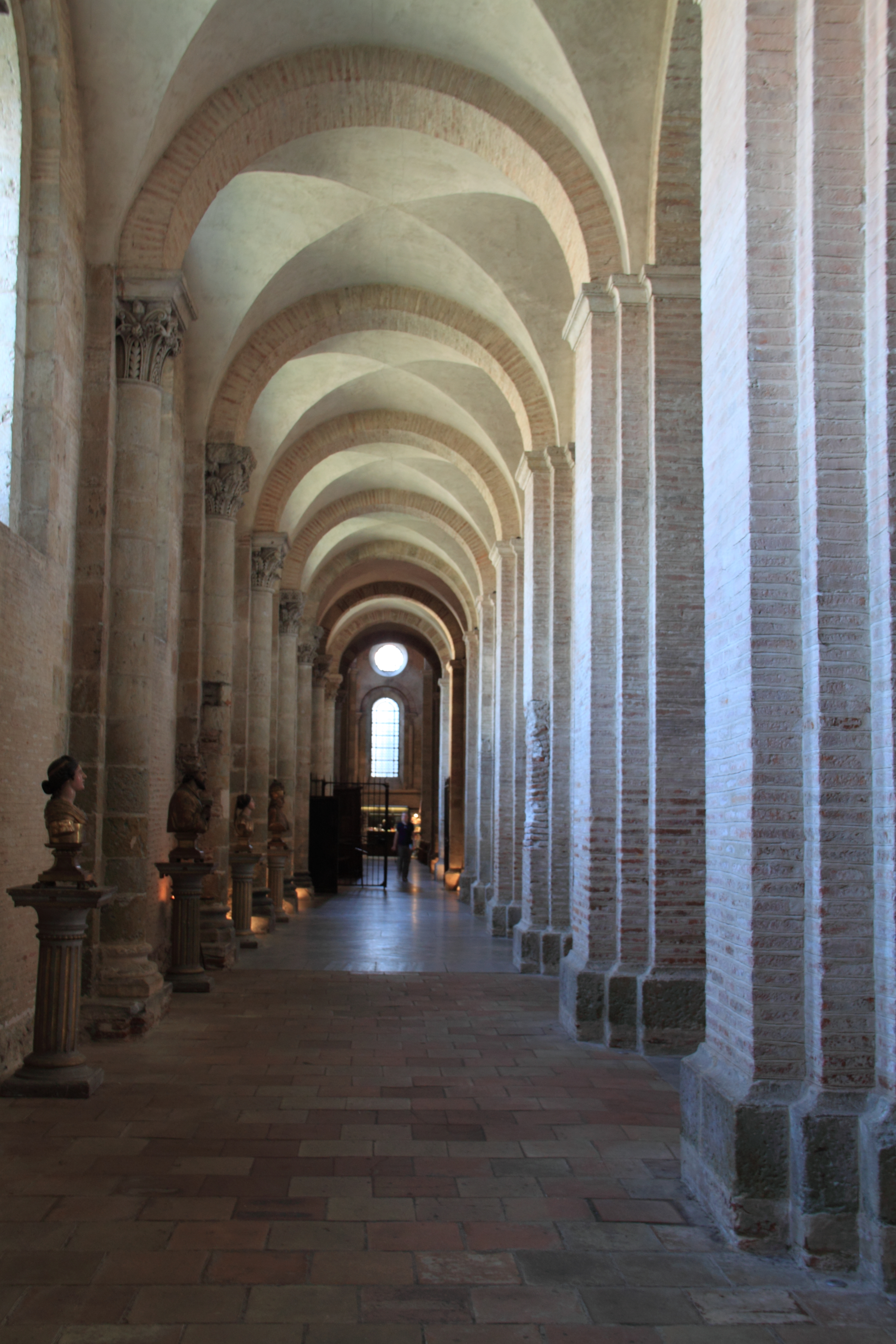 file bas c t nord basilique saint sernin toulouse jpg wikimedia commons. Black Bedroom Furniture Sets. Home Design Ideas