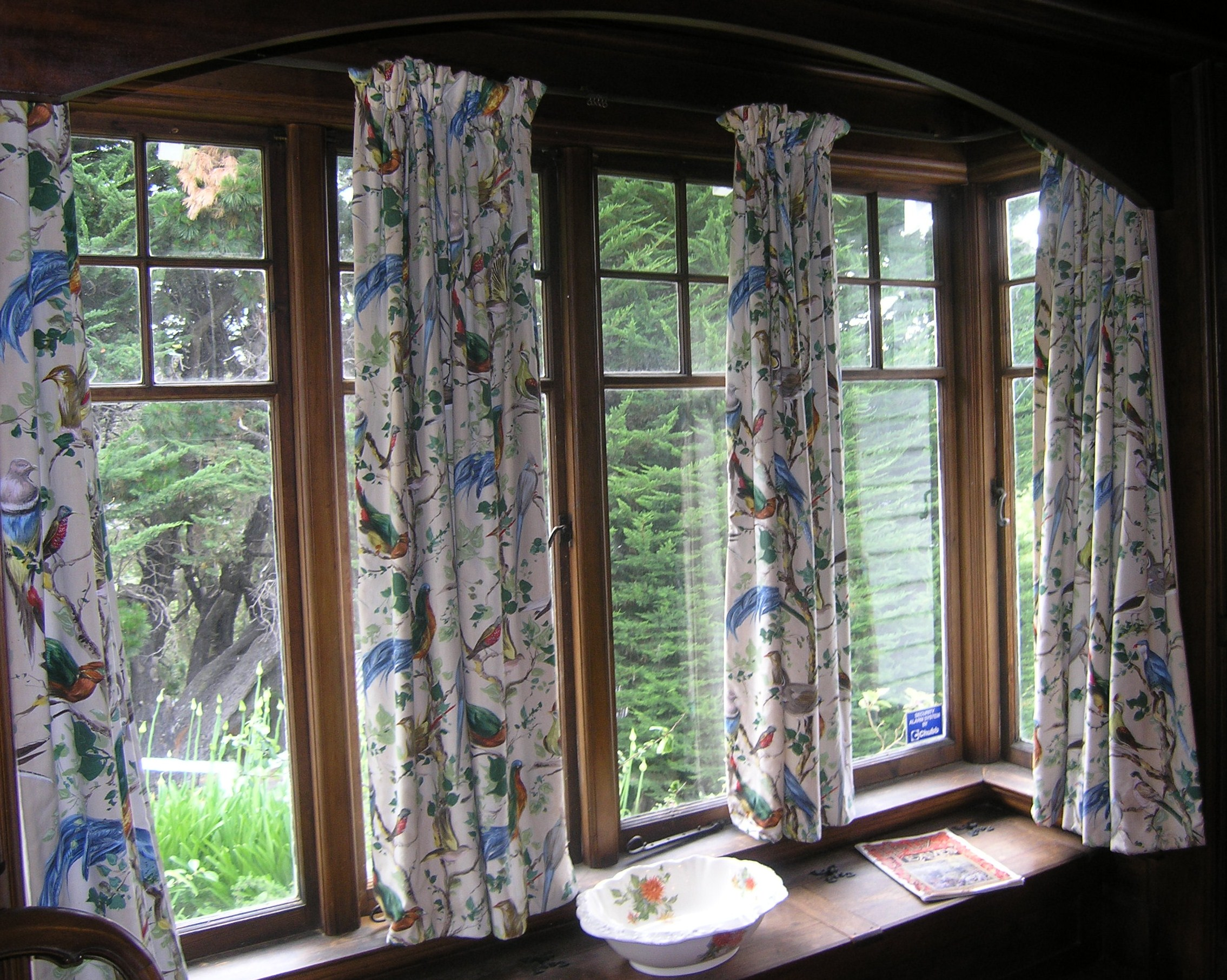 File bay window ngaio marsh house christchurch for Window designs nz