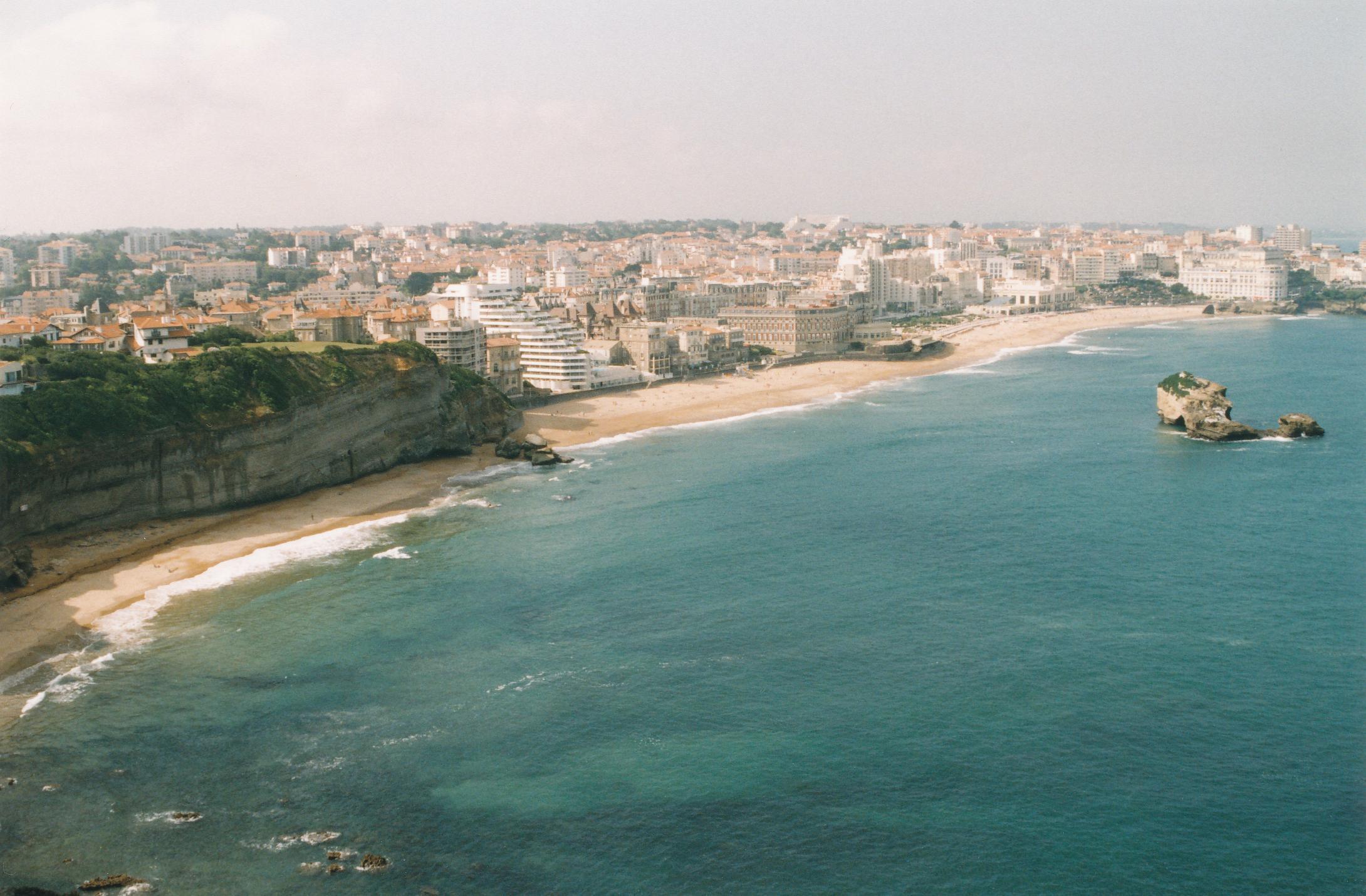 Feszültségekkel teli légkörben kezdődik a G7-csúcs Biarritzban