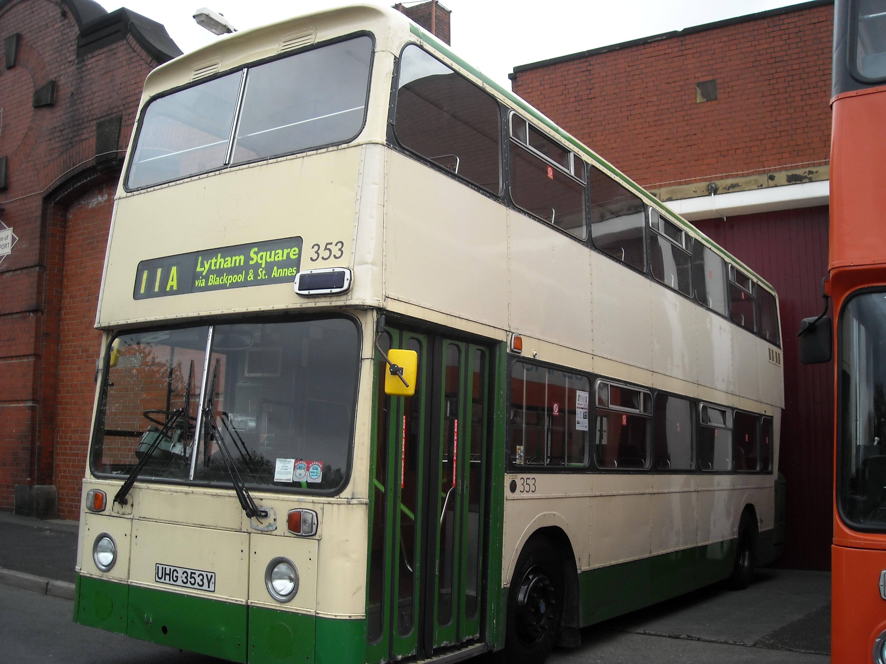 File:Blackpool Transport preserved bus UHG 353Y.jpg - Wikimedia ...